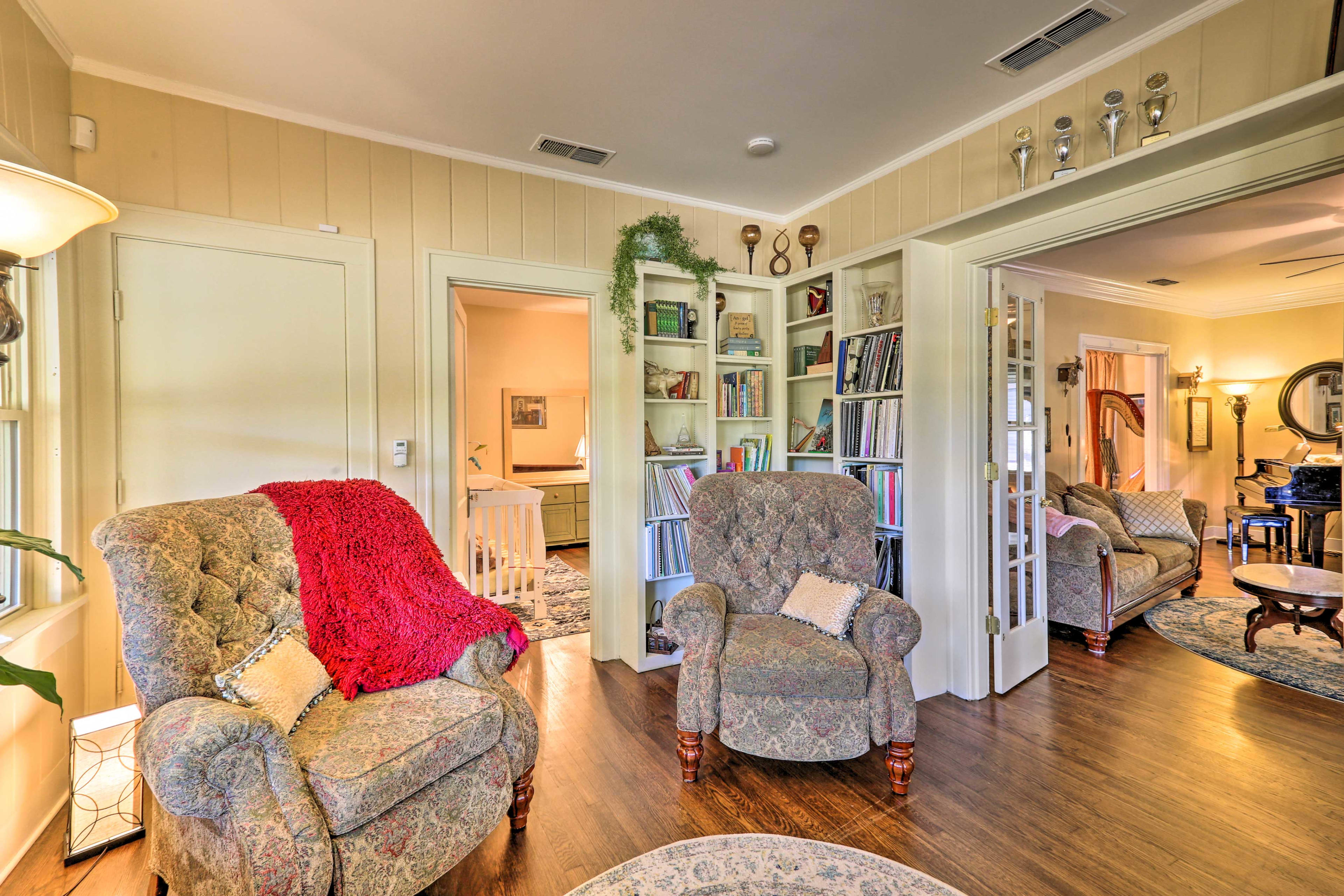 Ample seating and living space is ideal for hosting a get-together.