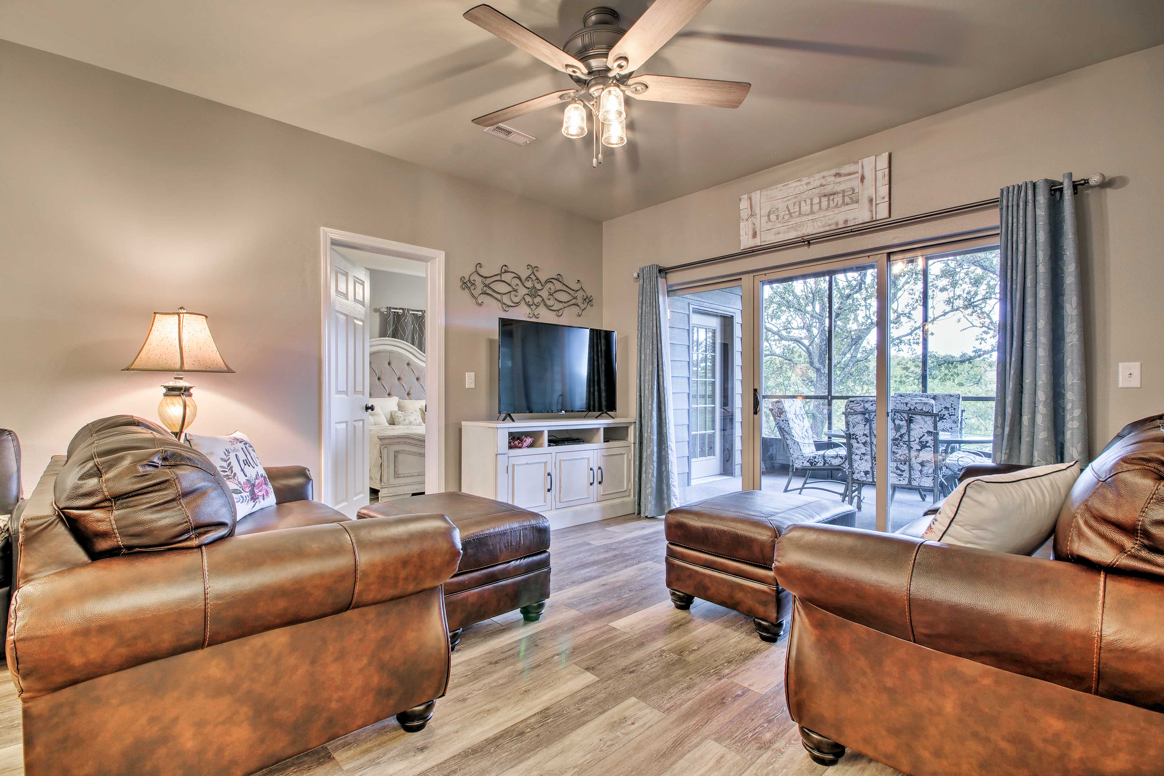 This Branson West vacation rental has room for 10.