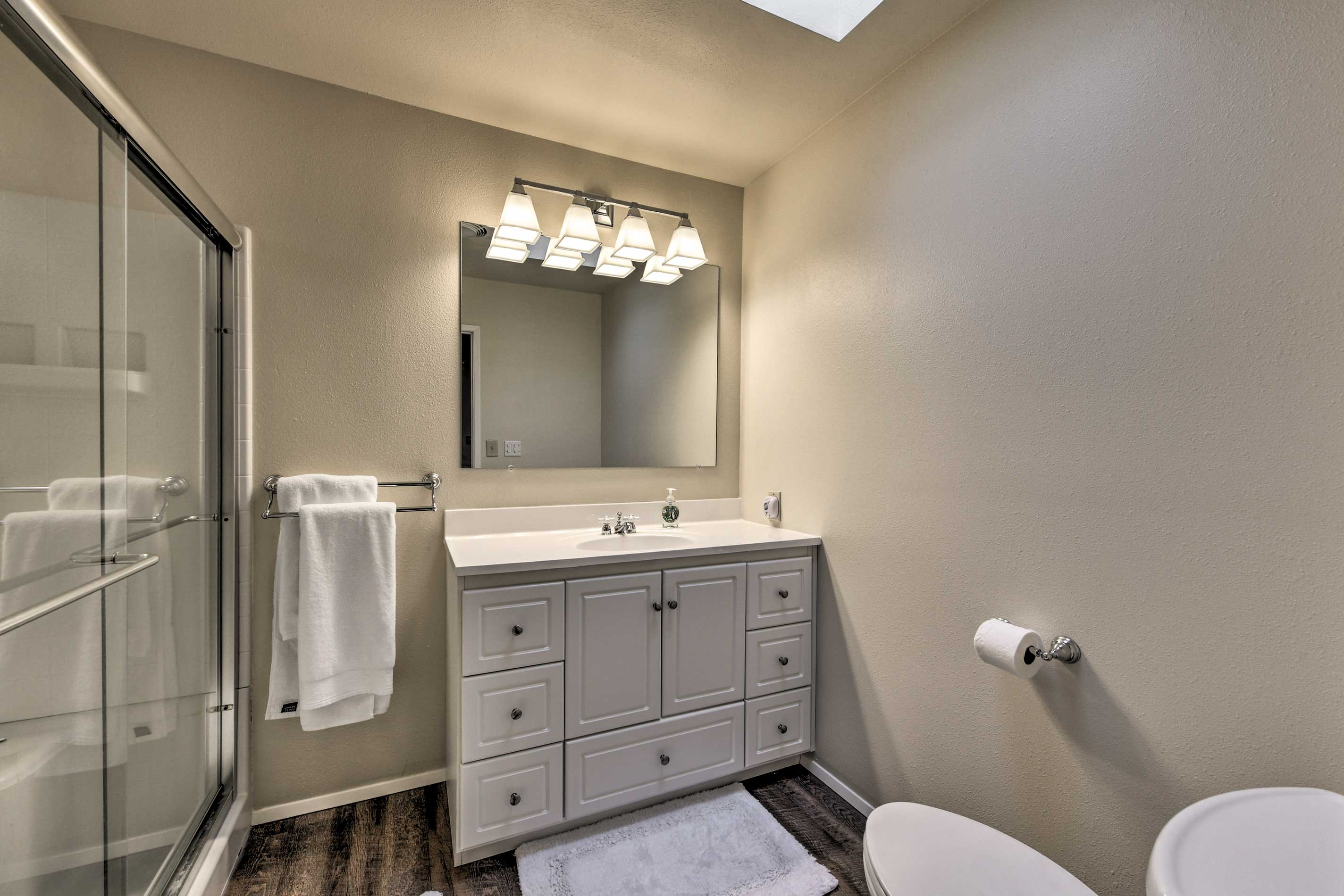 Make mornings less complicated with a second bathroom.