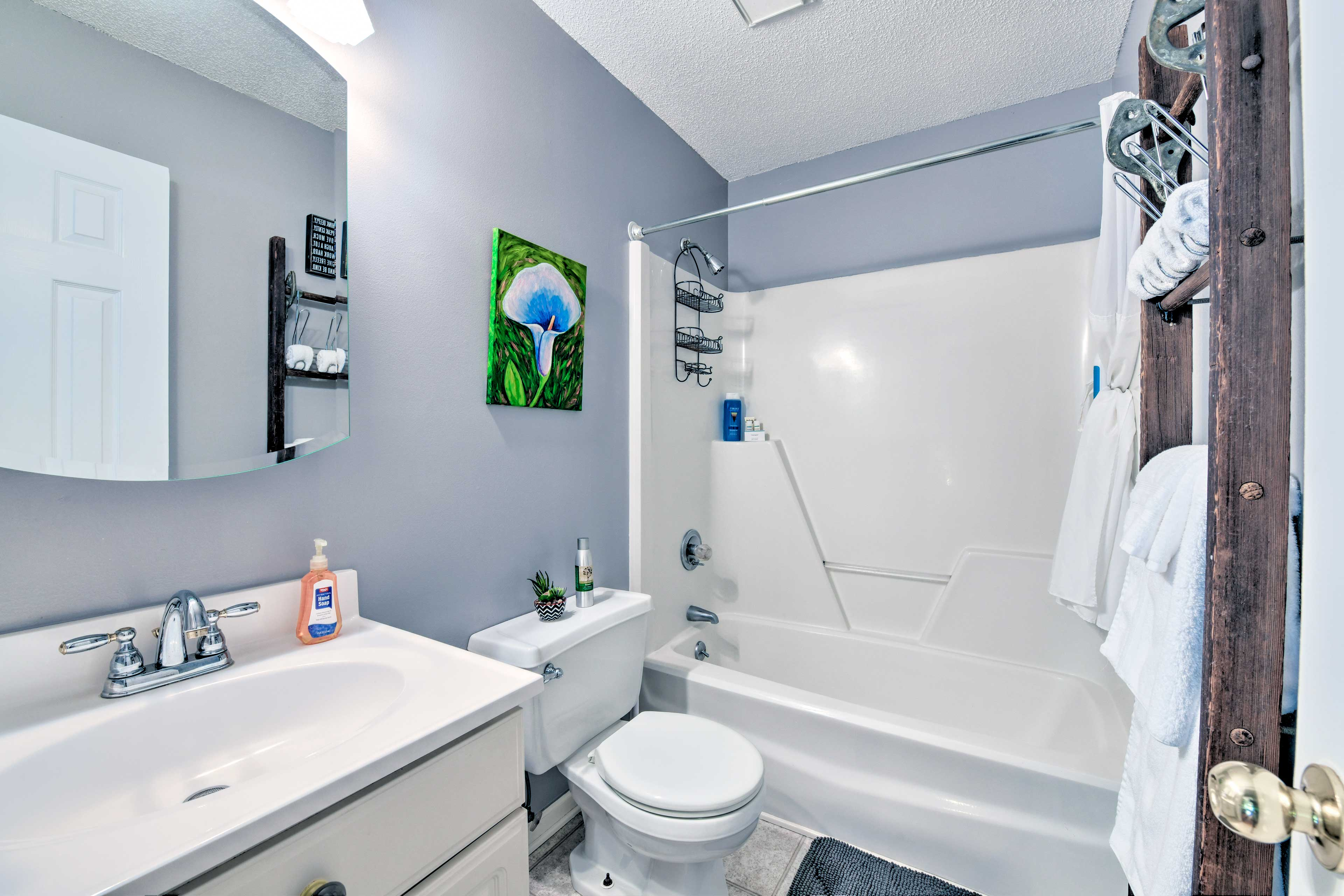 Fresh towels and linens are provided during your stay.