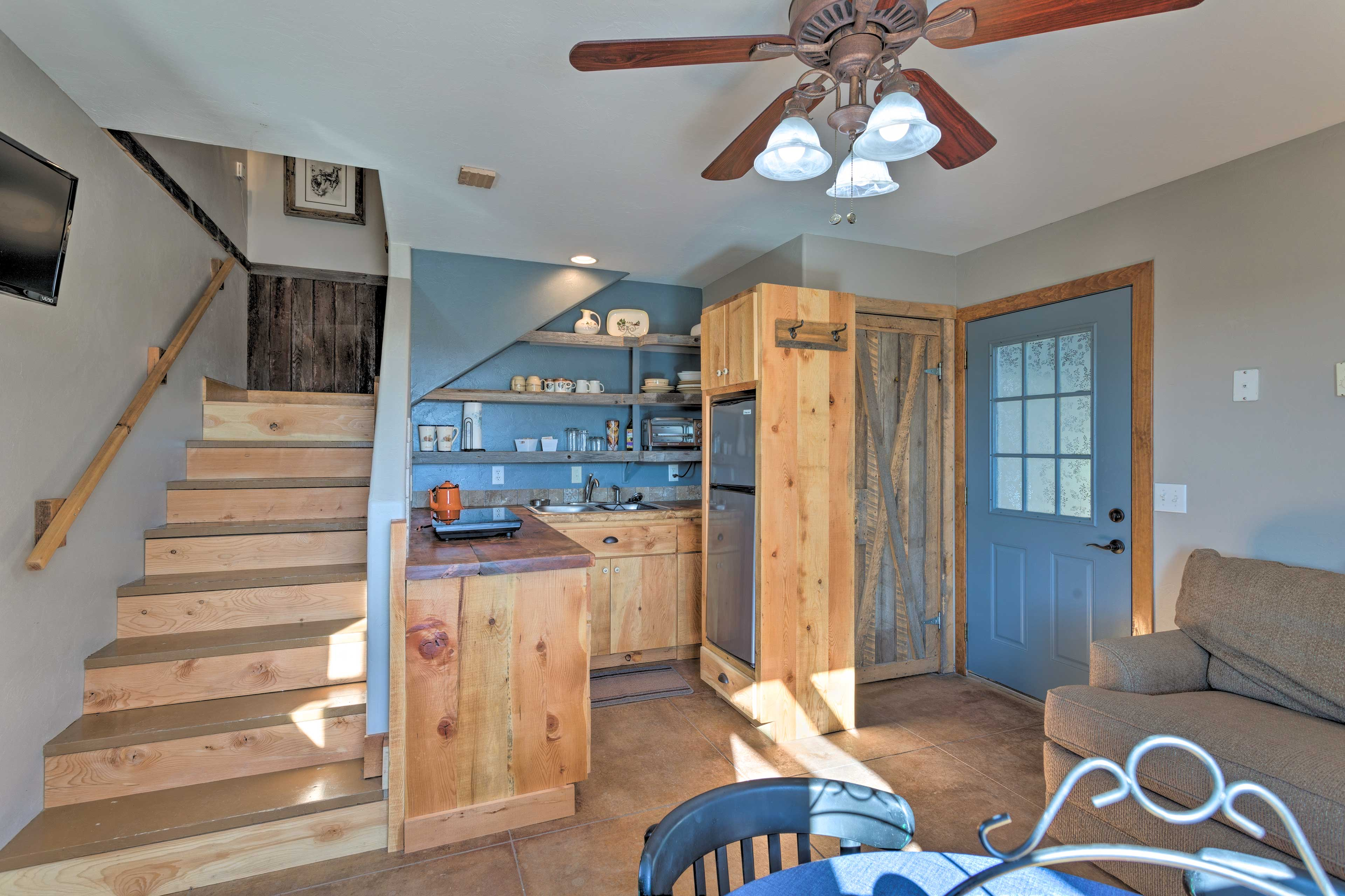 Take advantage of the well-equipped kitchen.