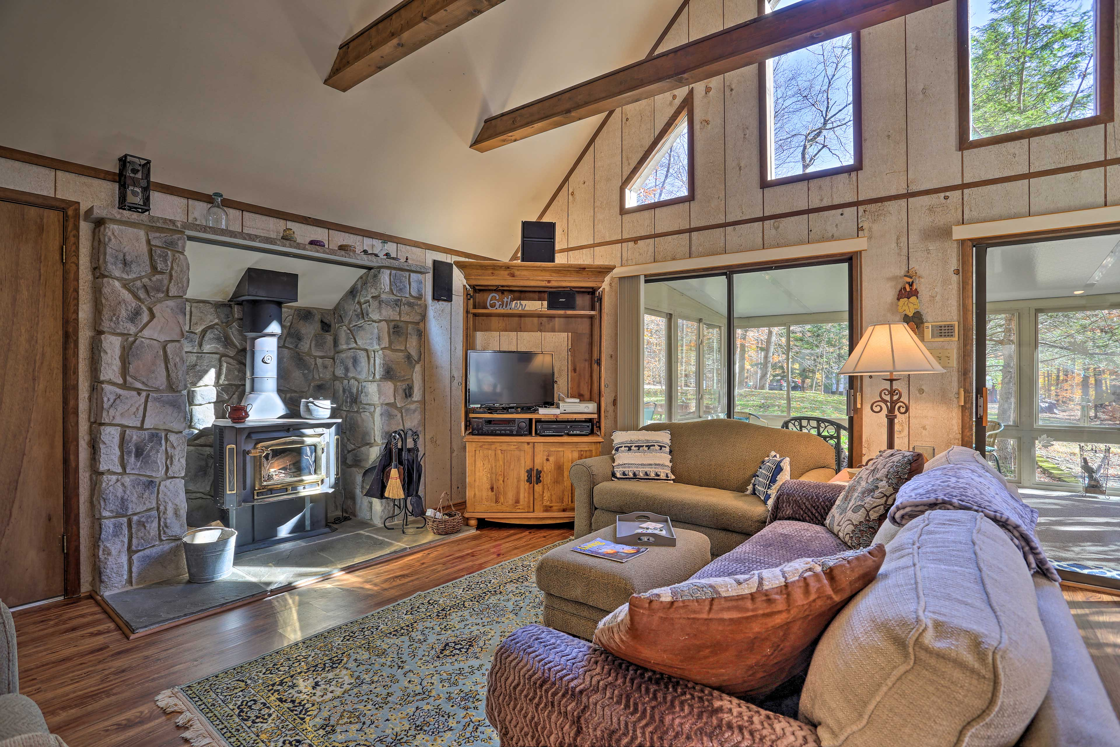This 3-bed, 2-bath Pocono Lake retreat offers all the comforts of home.