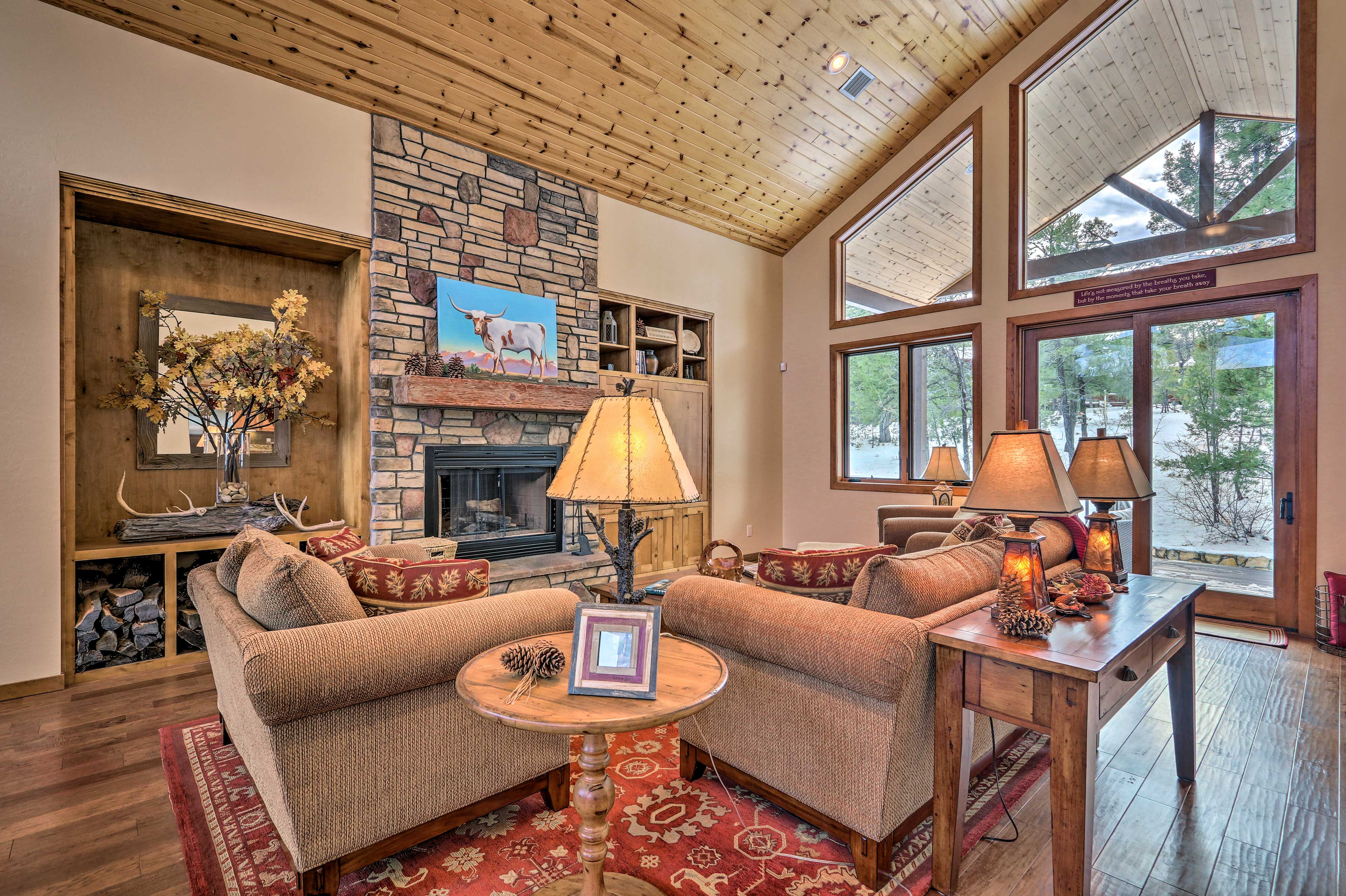 Relax in luxury during your Show Low retreat!