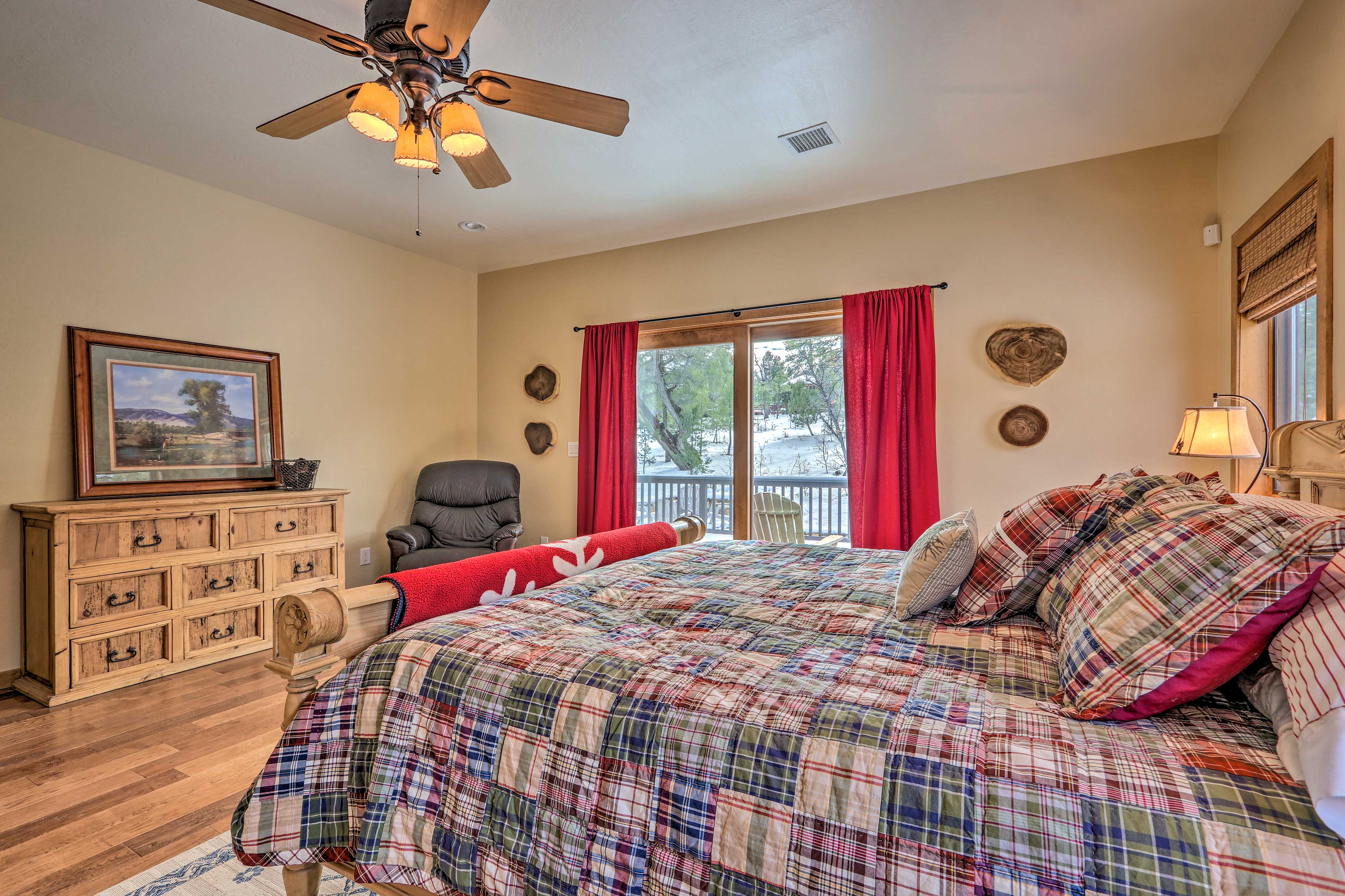 Wake up to peaceful forest views from the comfort of the king-sized bed!