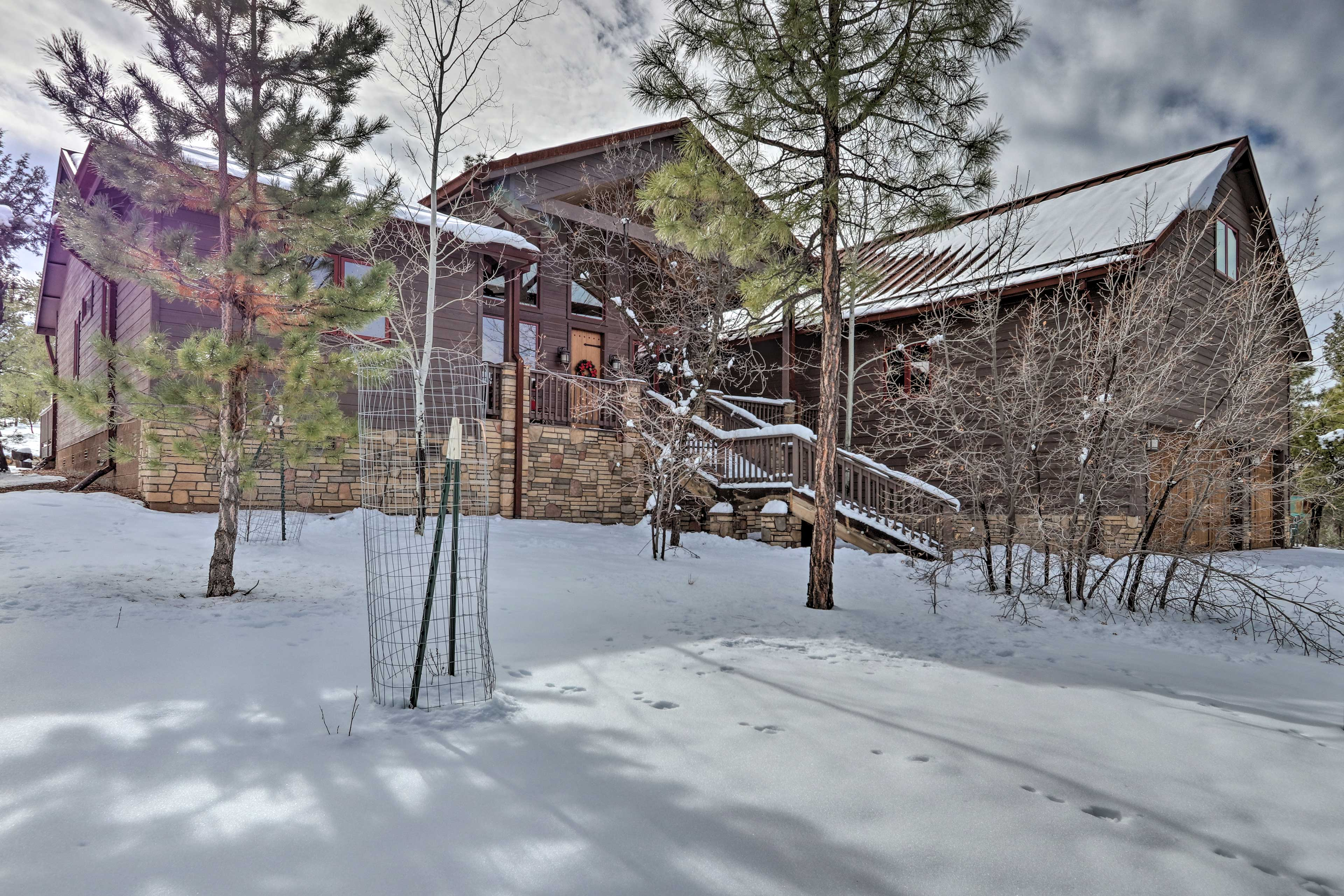 What are you waiting for? Book your White Mountains vacation today!