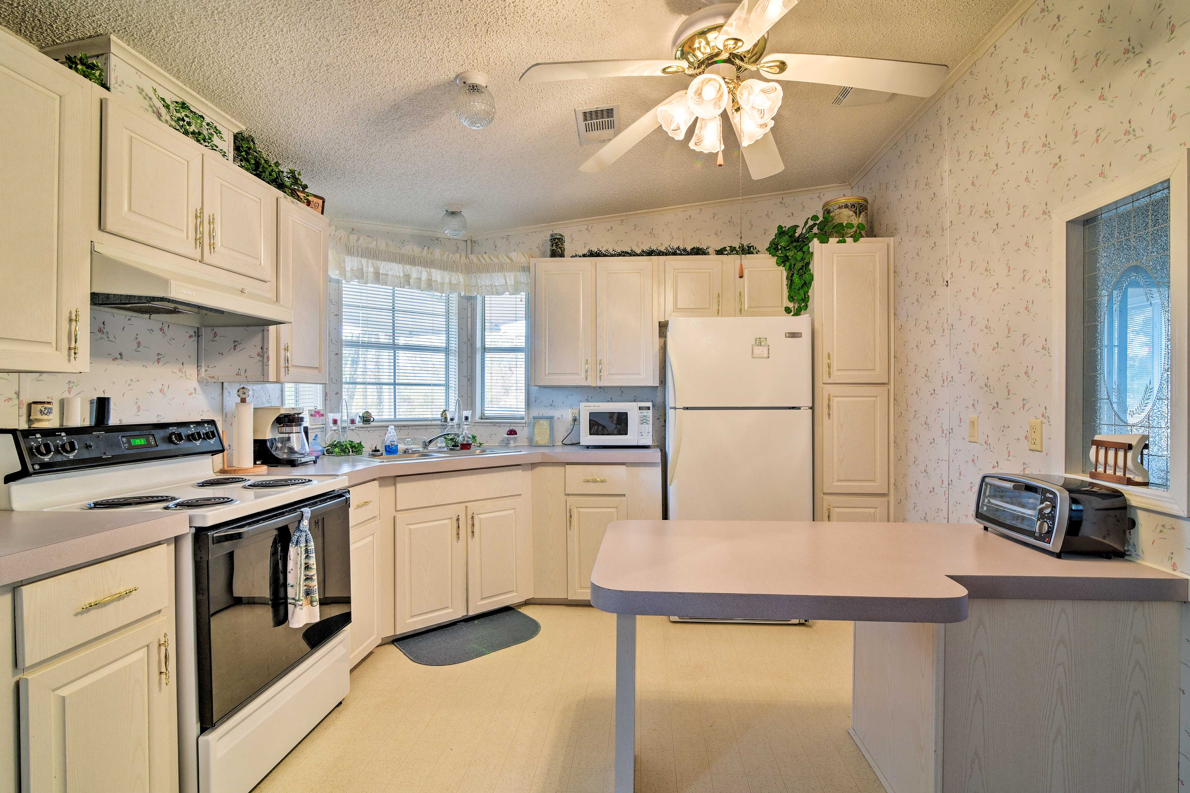 Serve up your family favorites in this fully equipped kitchen.
