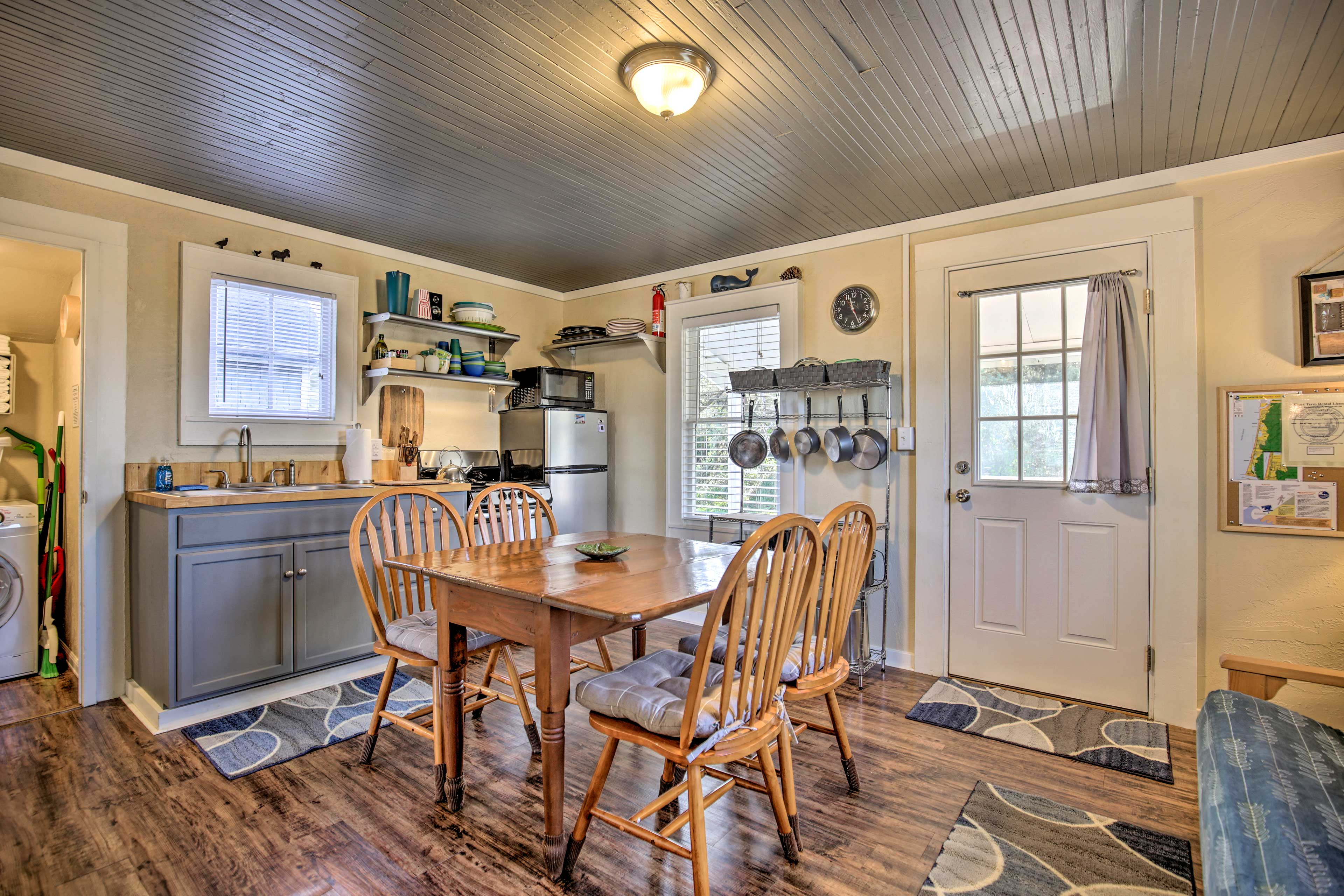 Enjoy an essential beach vacation at this charming 2-bedroom, 1-bath cottage!