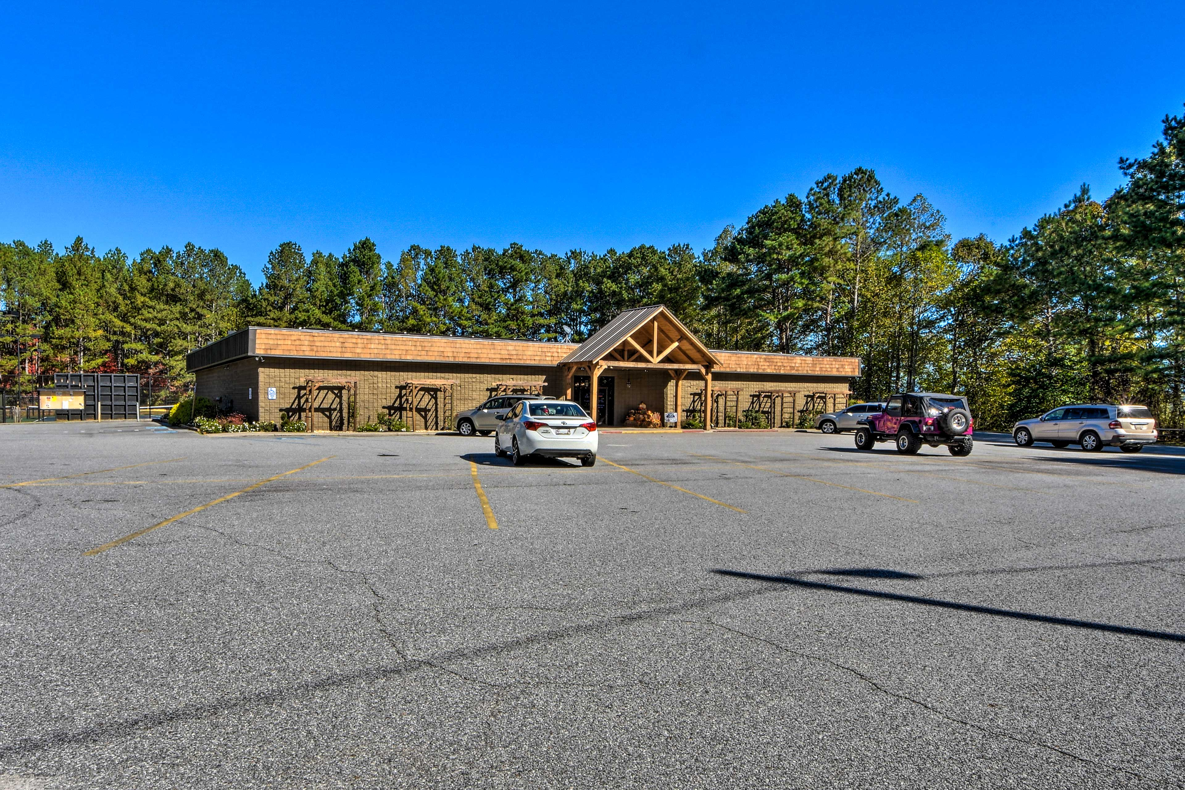 At Coosawattee River Resort, you'll have access to many community amenities.
