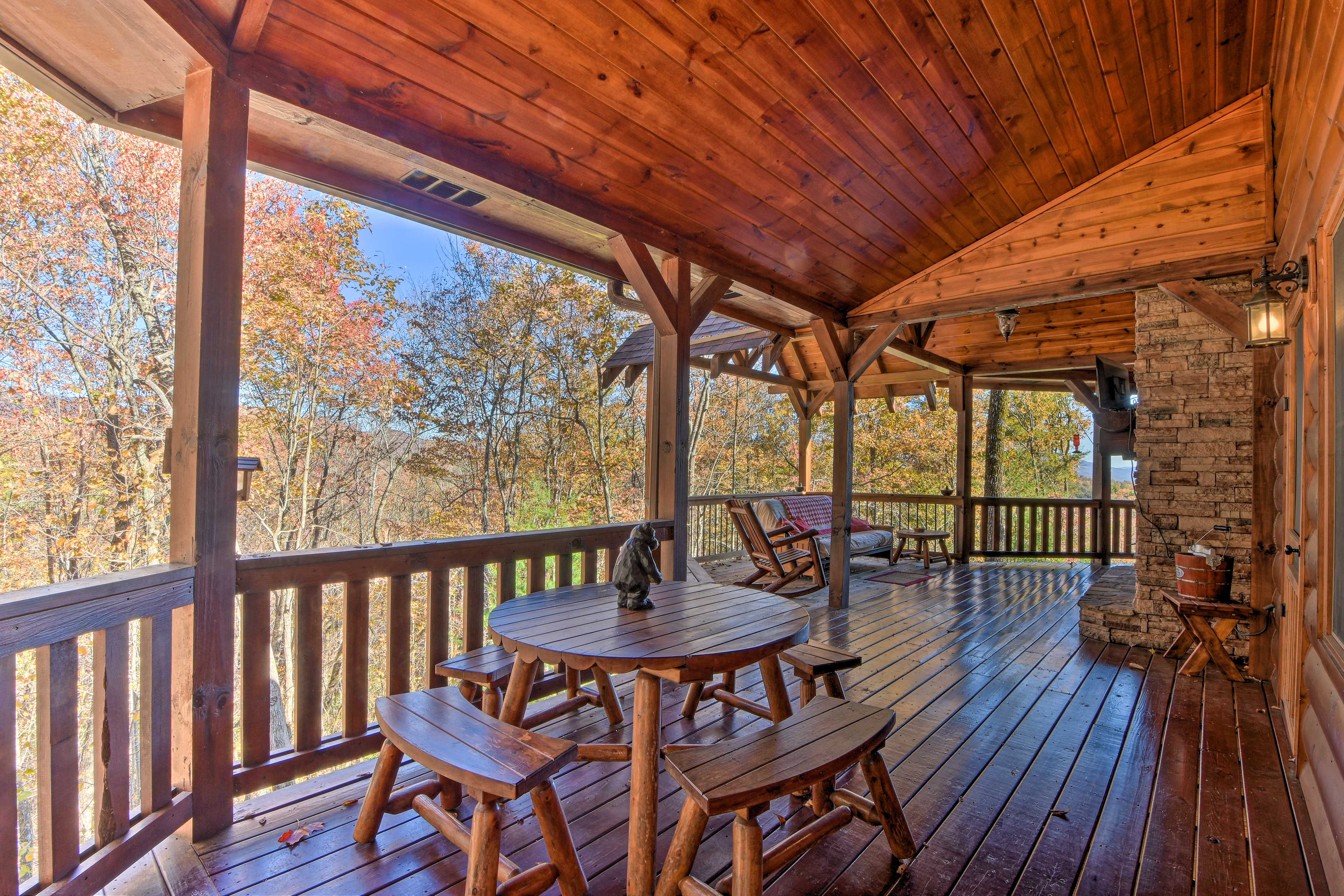 Grill out and dine al fresco on the furnished deck.