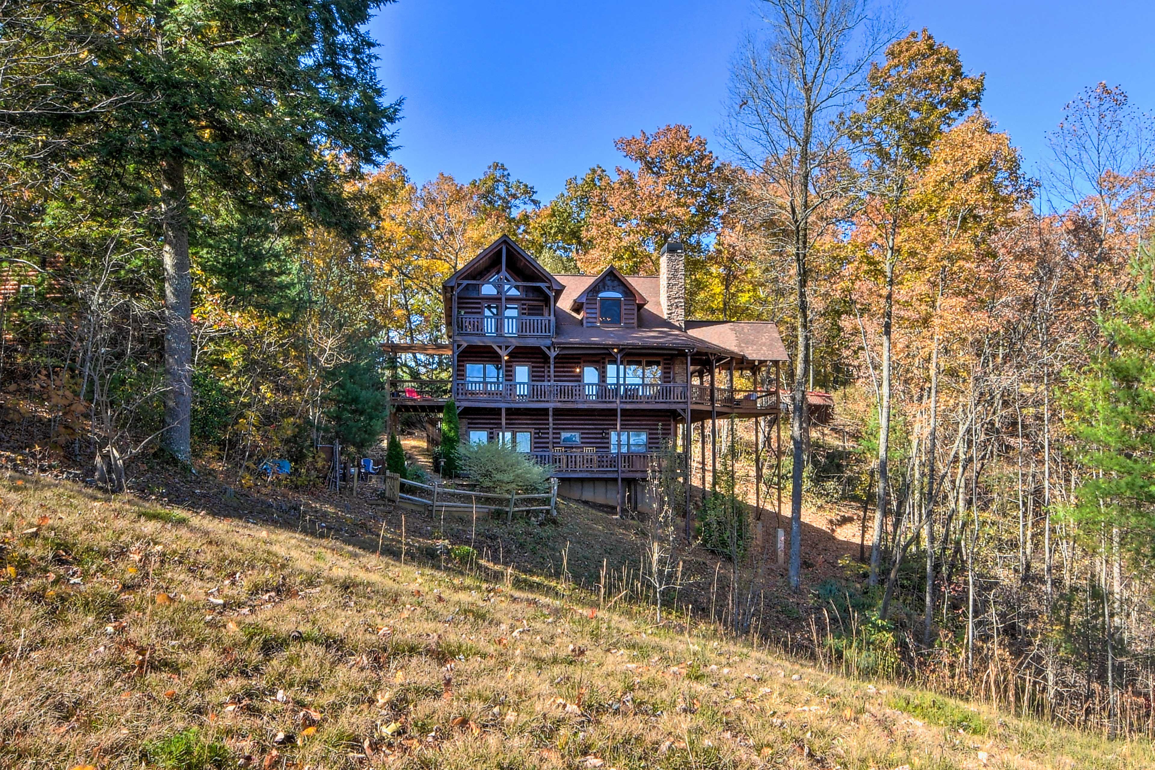 Your next mountain getaway awaits at this Ellijay hideaway!