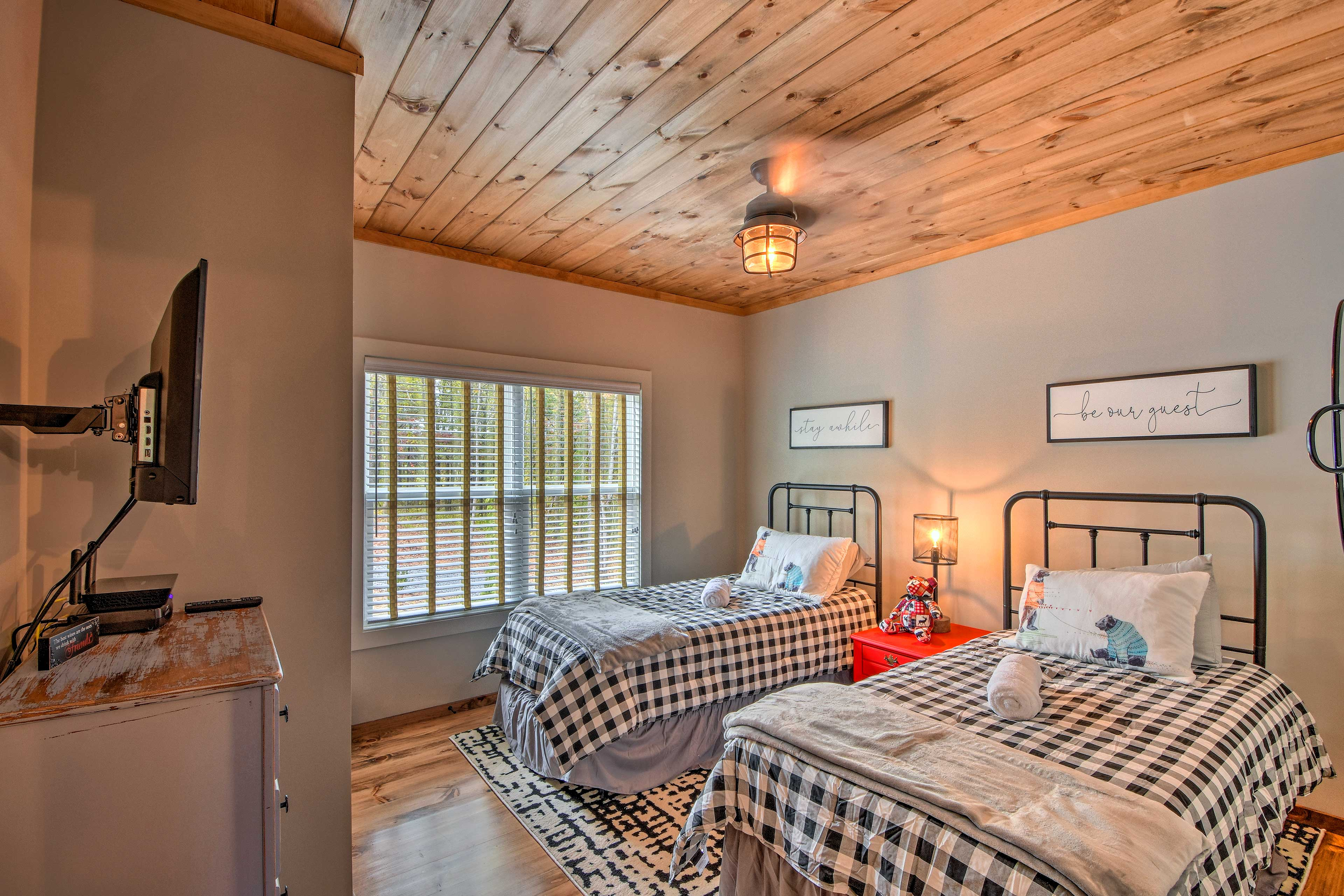 The third bedroom features 2 twin beds.