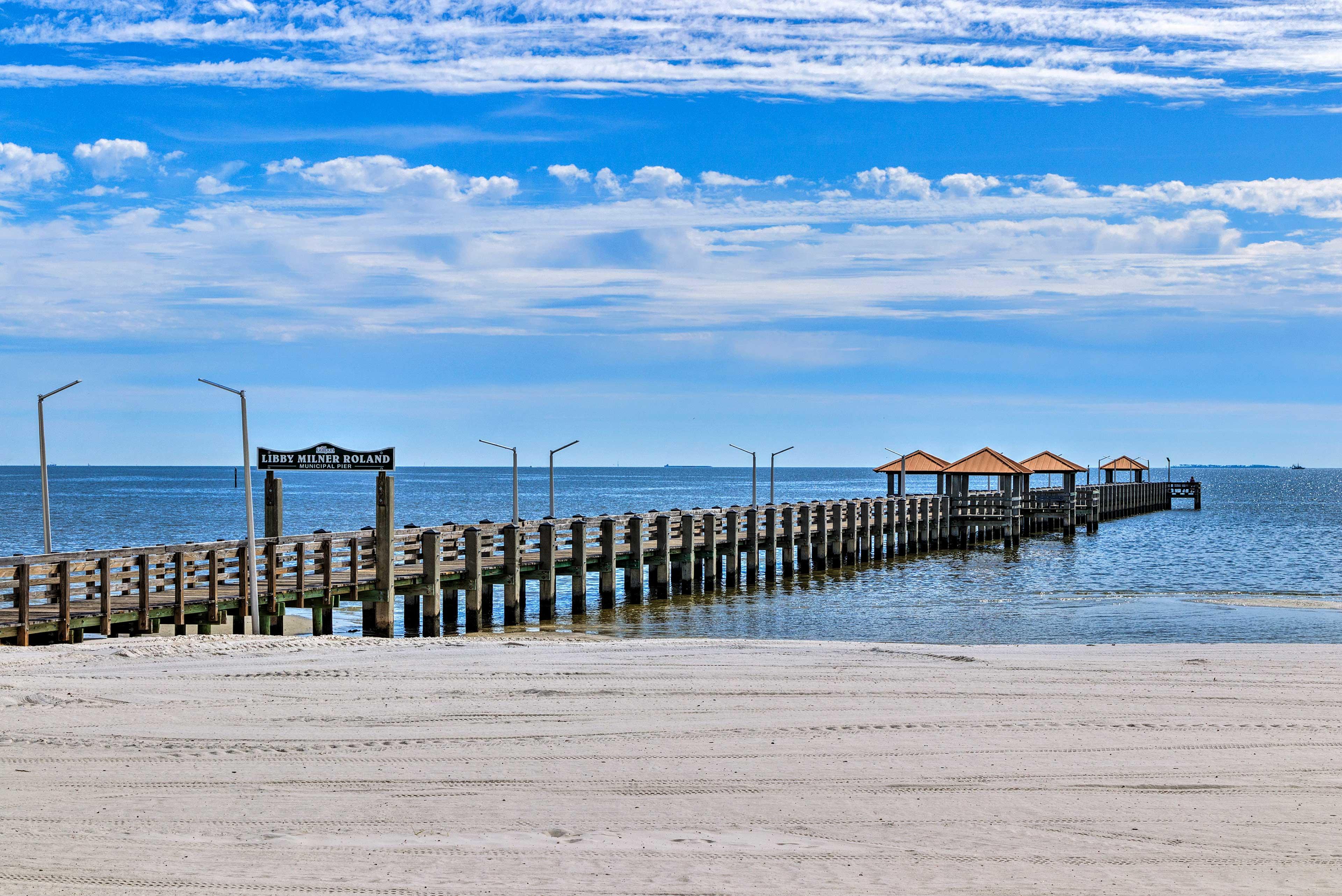 0.2-Mile Walk to Beach & Pier