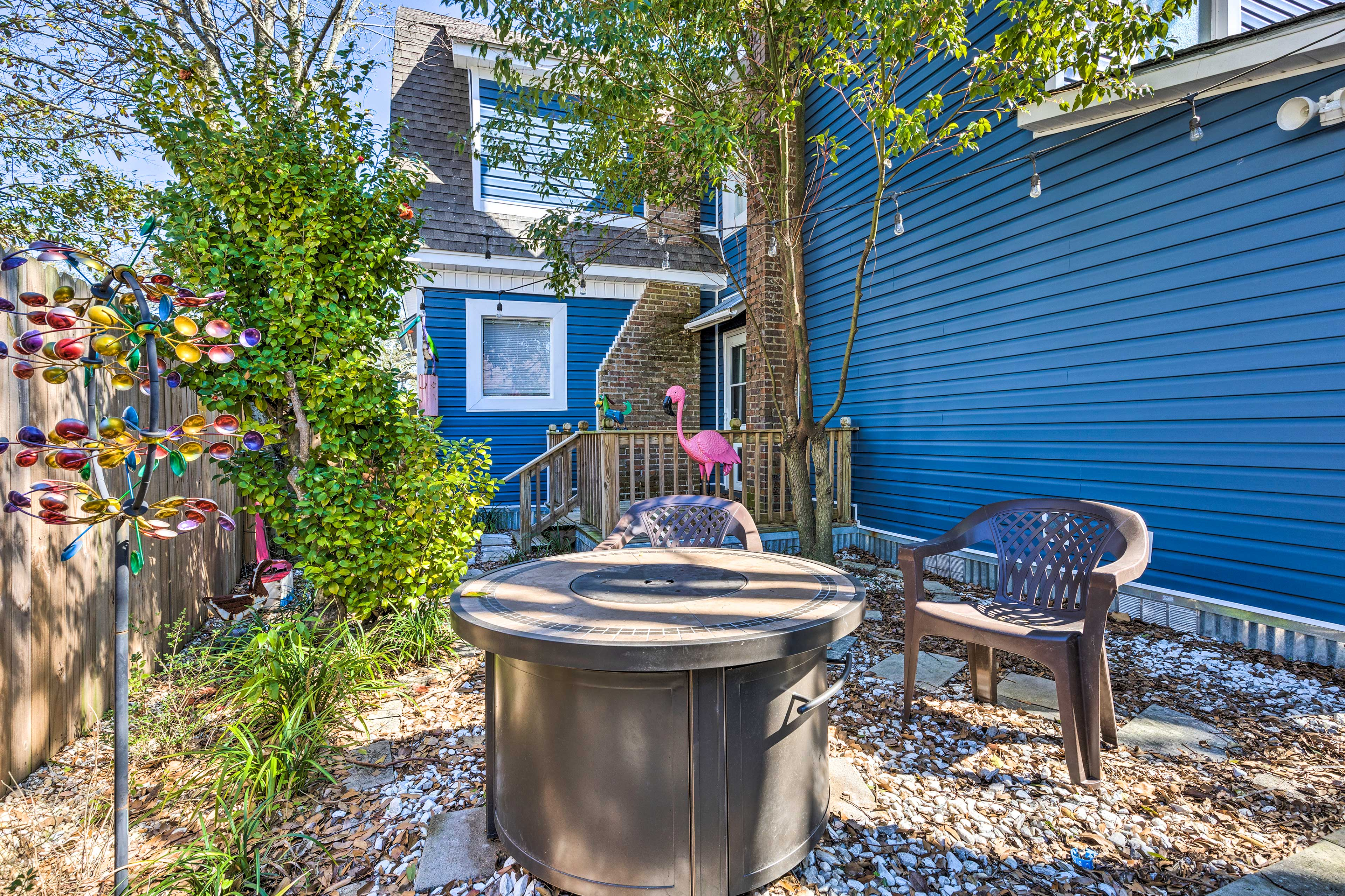 Private Backyard   Fire Pit Unavailable
