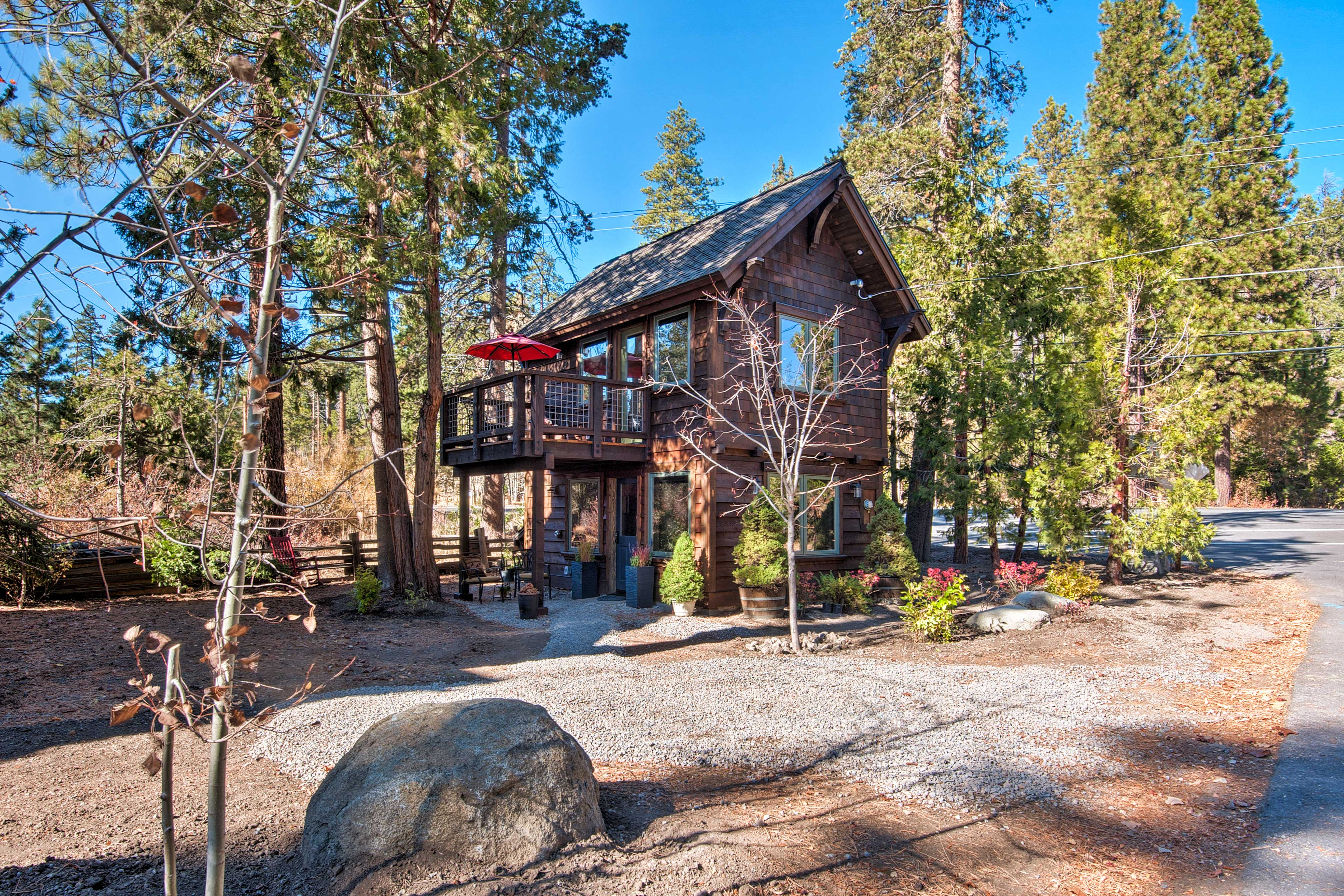 Enjoy an unforgettable escape to this Tahoe City cabin!
