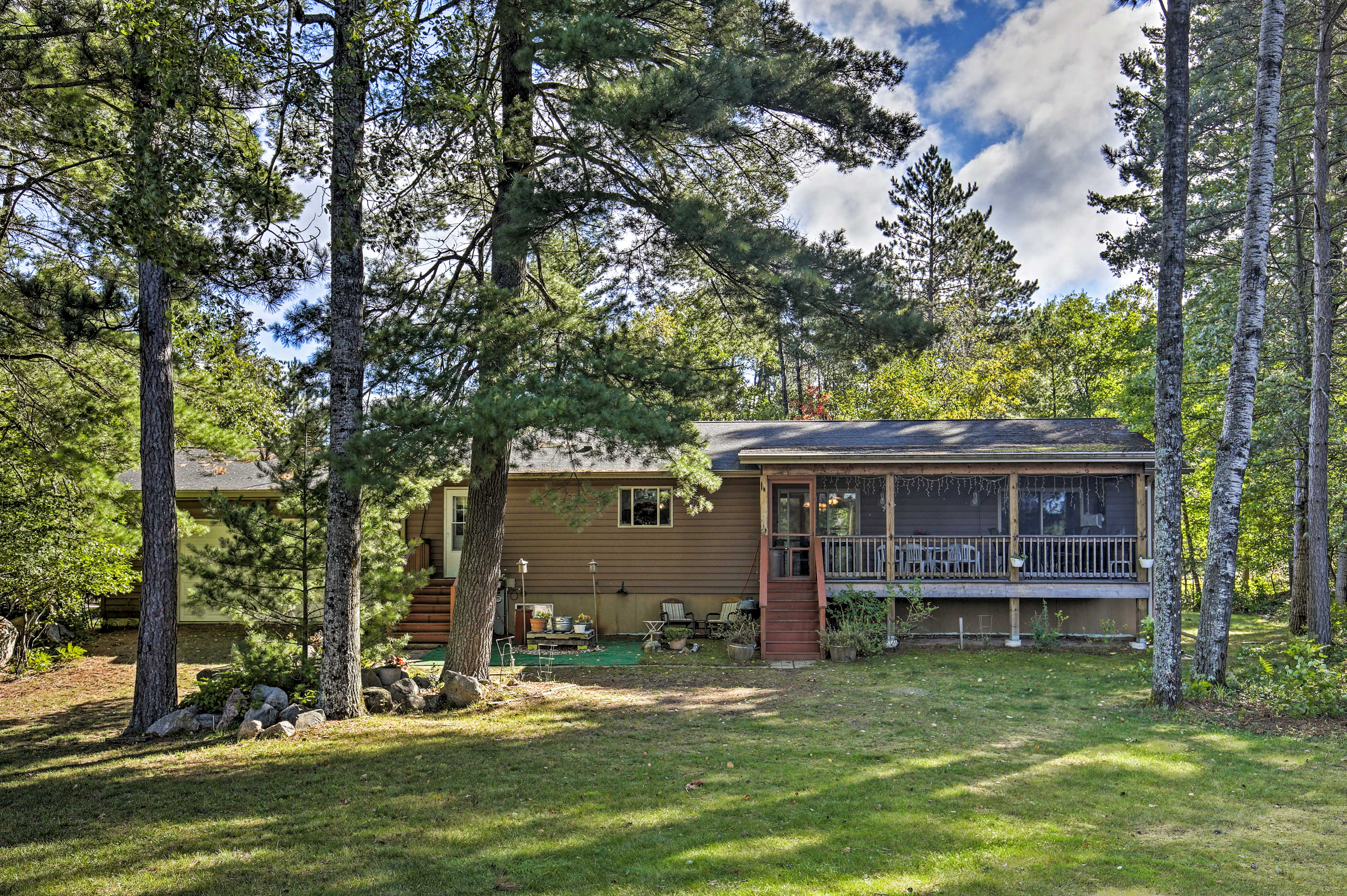 This lakefront Conover vacation rental has space for a group of 6!
