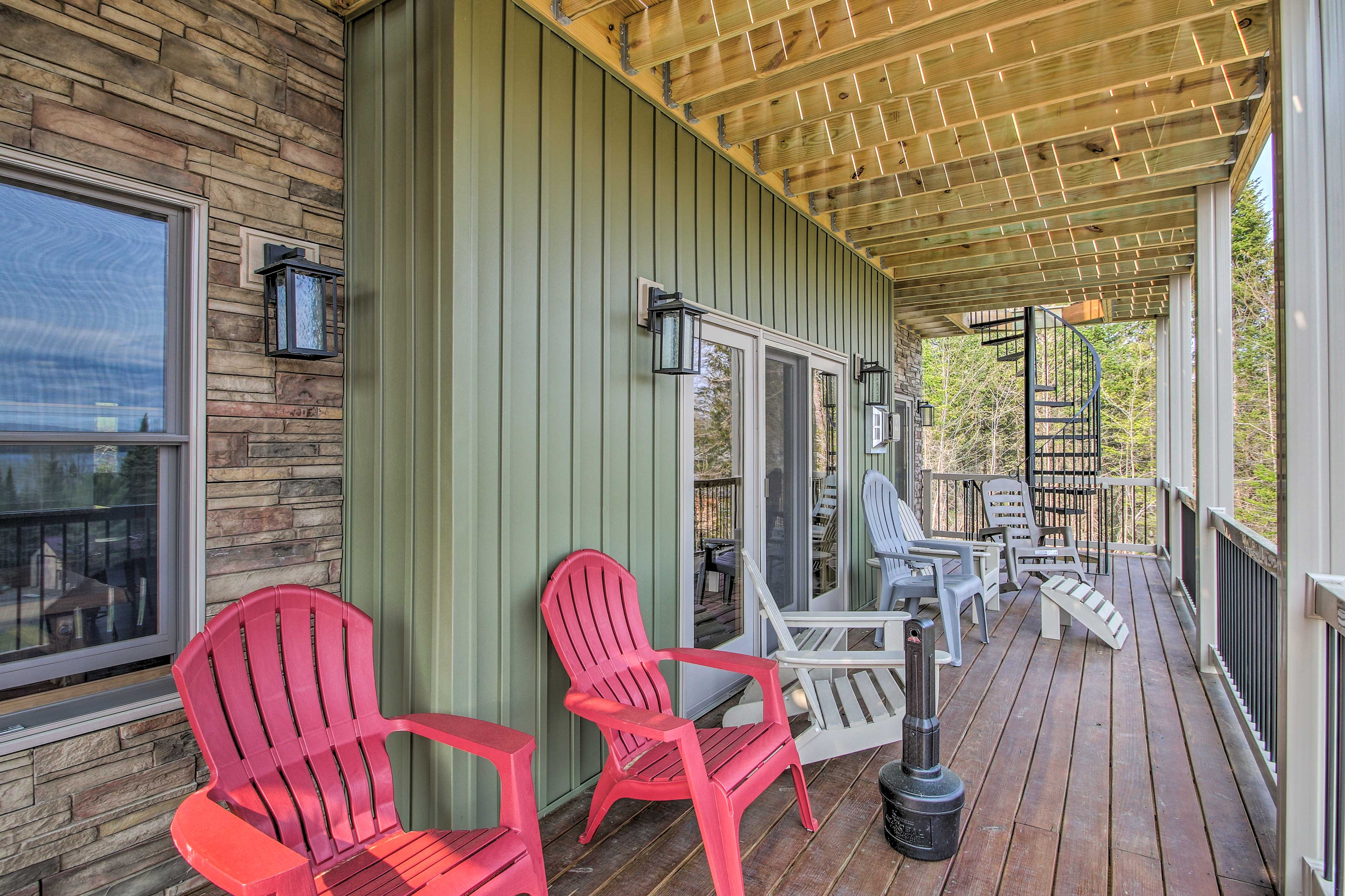 The deck offers plenty of outdoor seating.