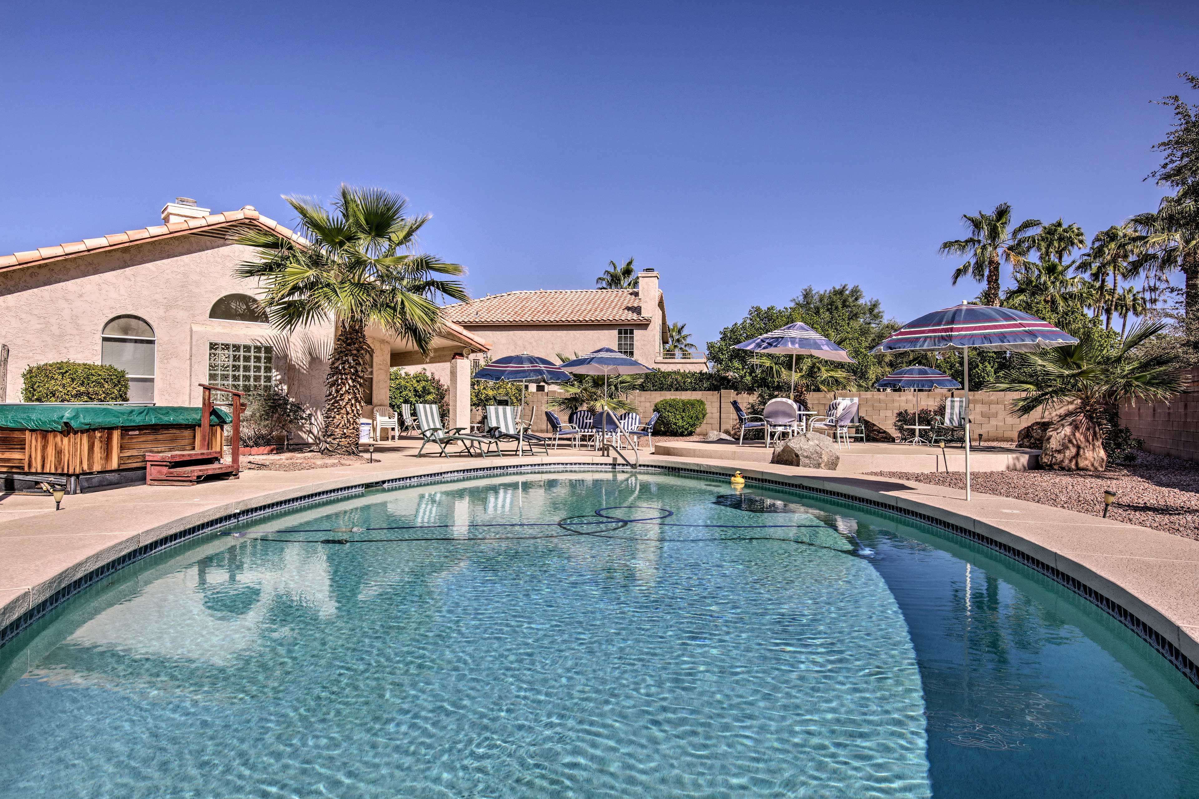 Challenge your loved ones to a swimming competition at this Phoenix home.