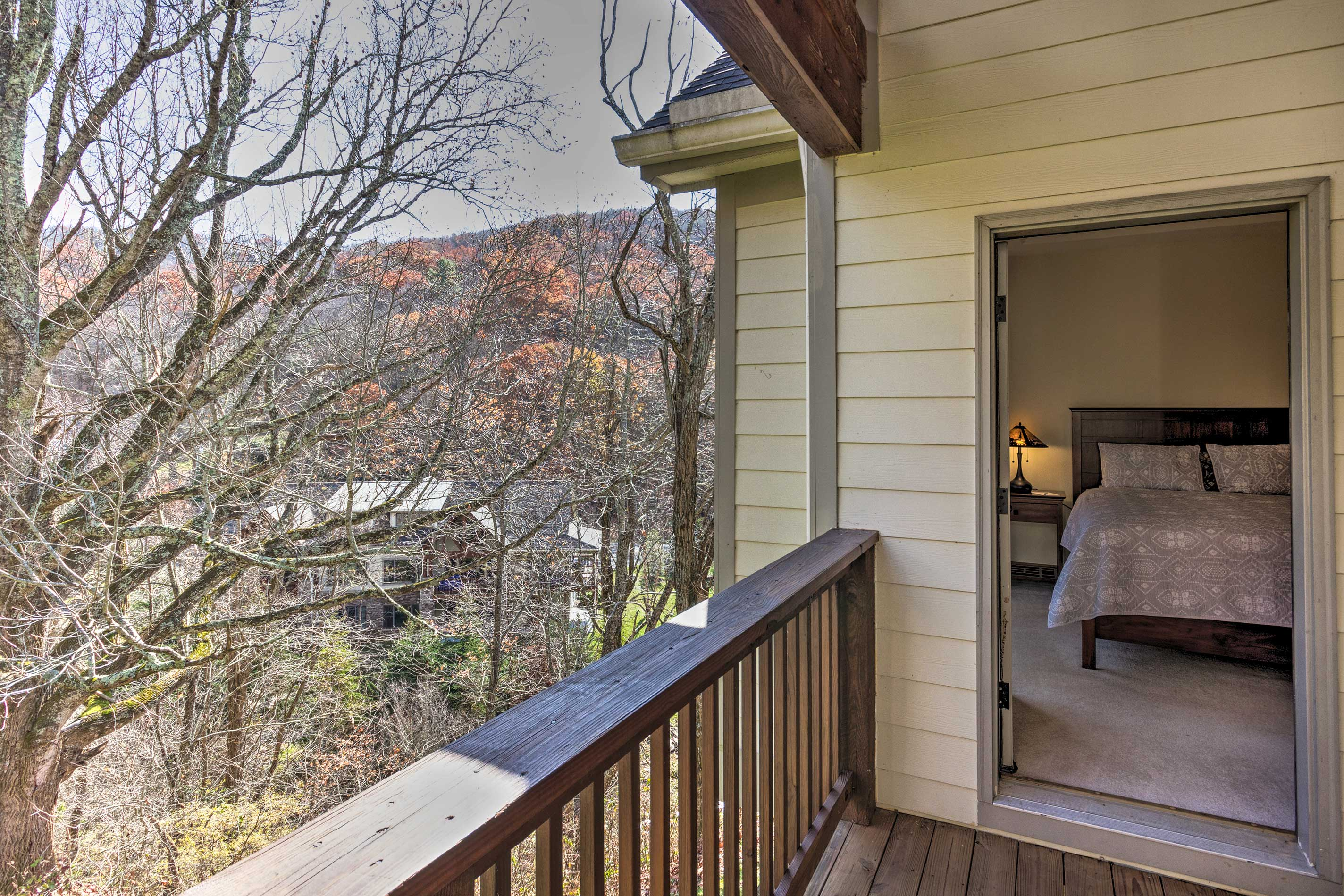 Step out onto the balcony for a beautiful Blue Ridge view!