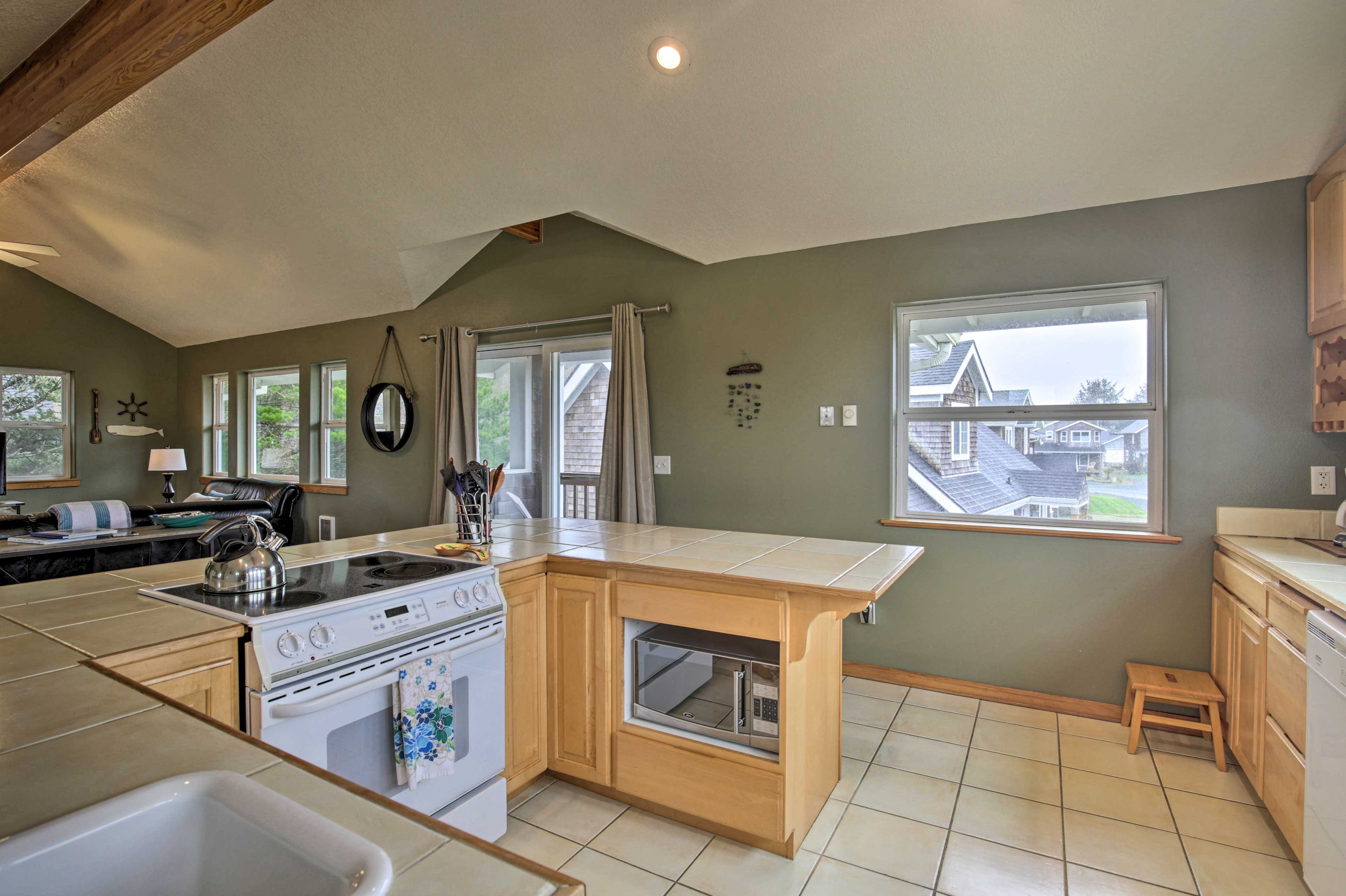 Make all of your meals in this fully equipped kitchen.