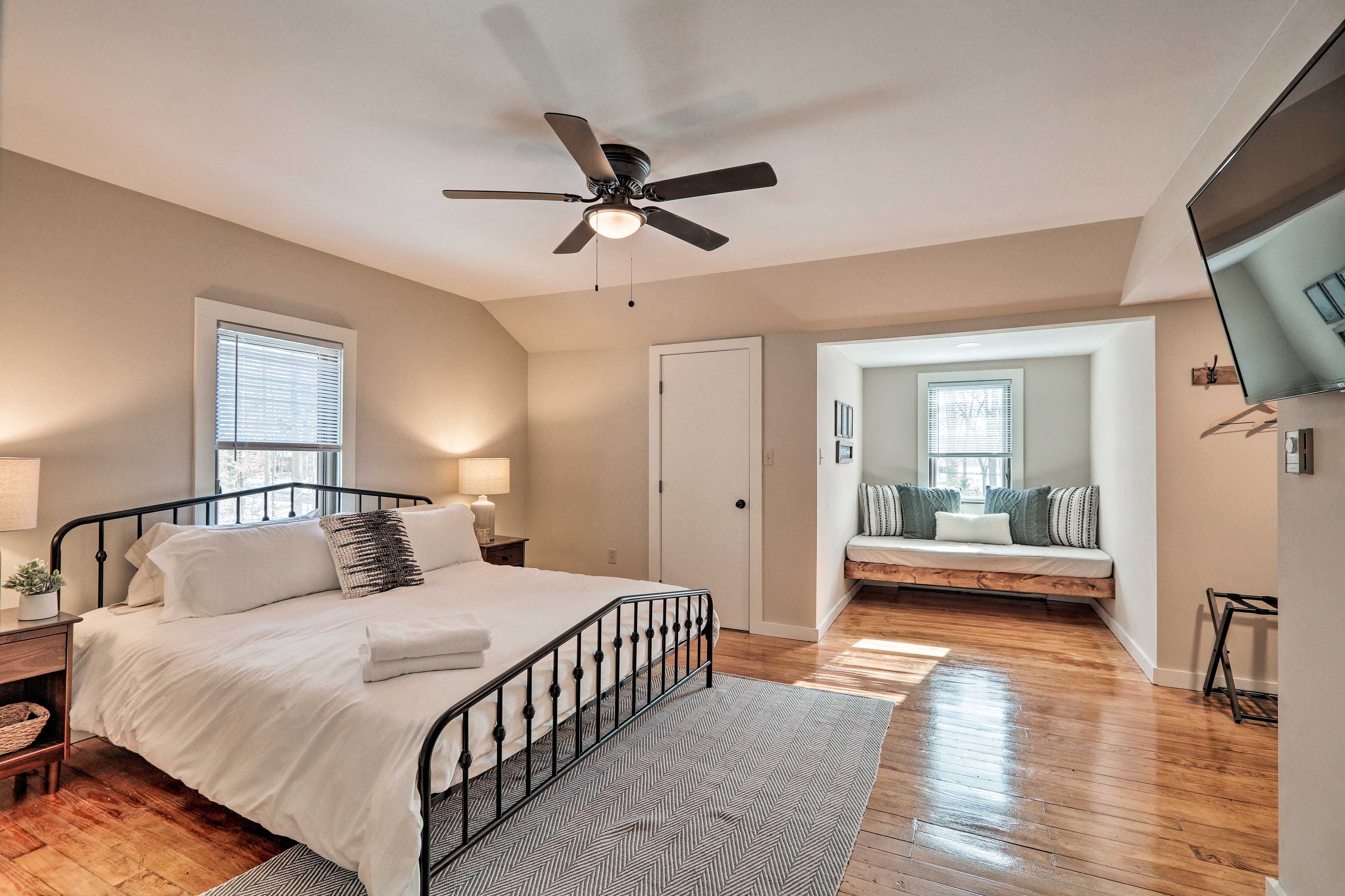 This 5-bed, 2-bath getaway has a large master bedroom with a reading nook.