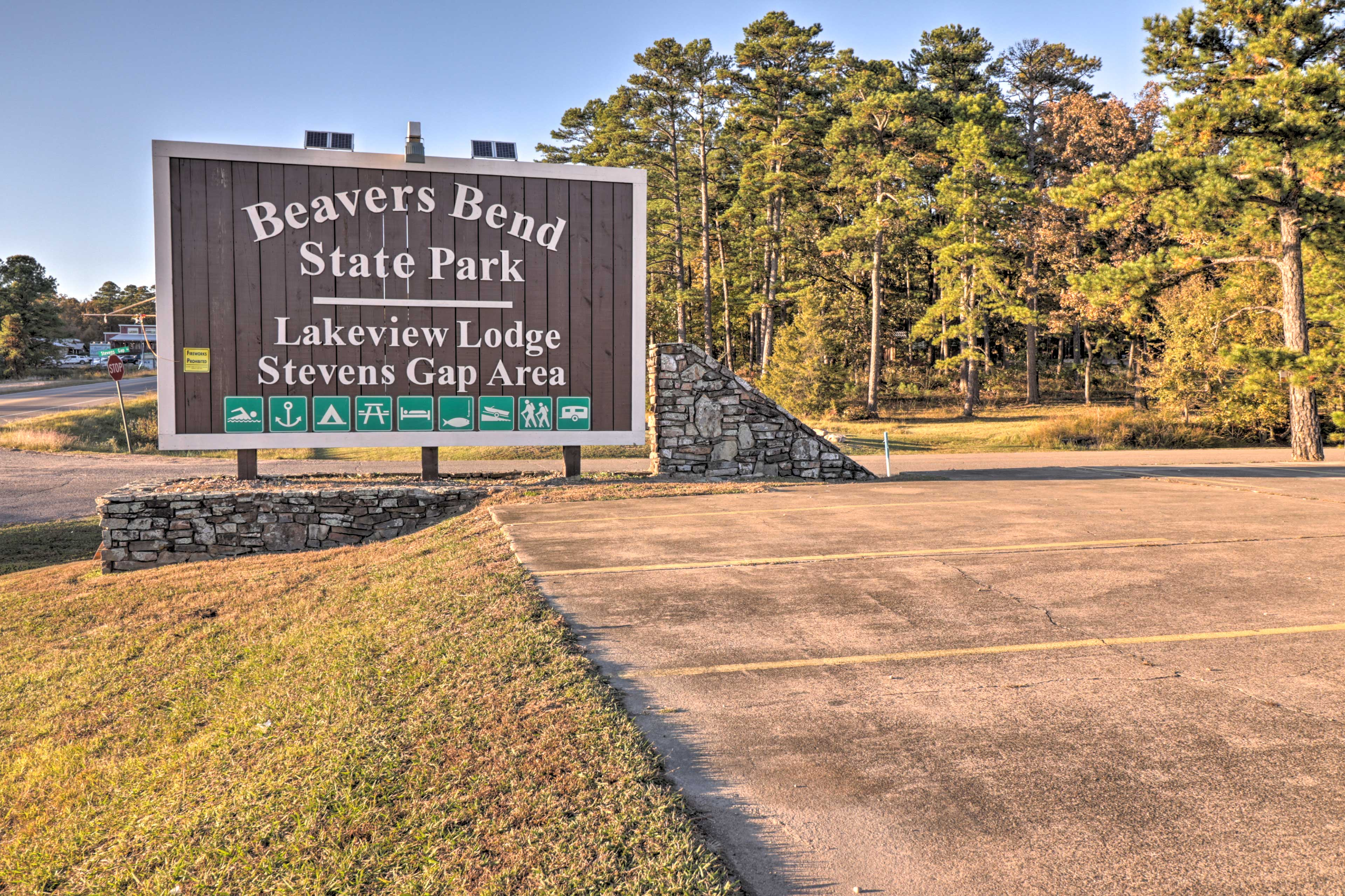 Explore the trails through Beavers Bend State Park.
