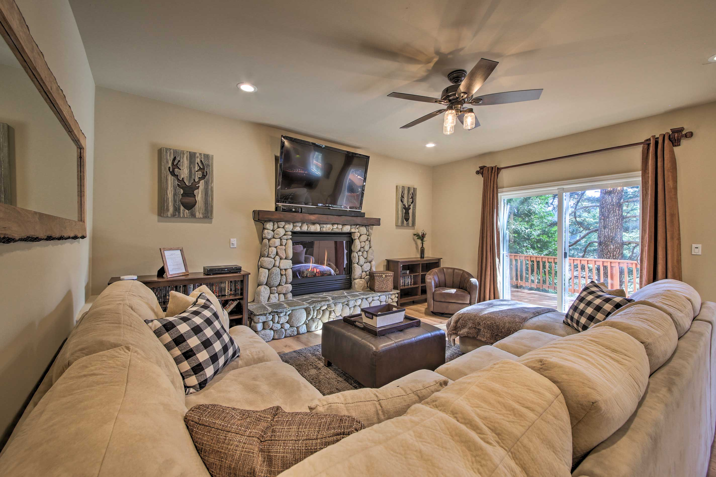 Two spacious-yet-cozy living rooms allow every guests plenty of areas to relax.