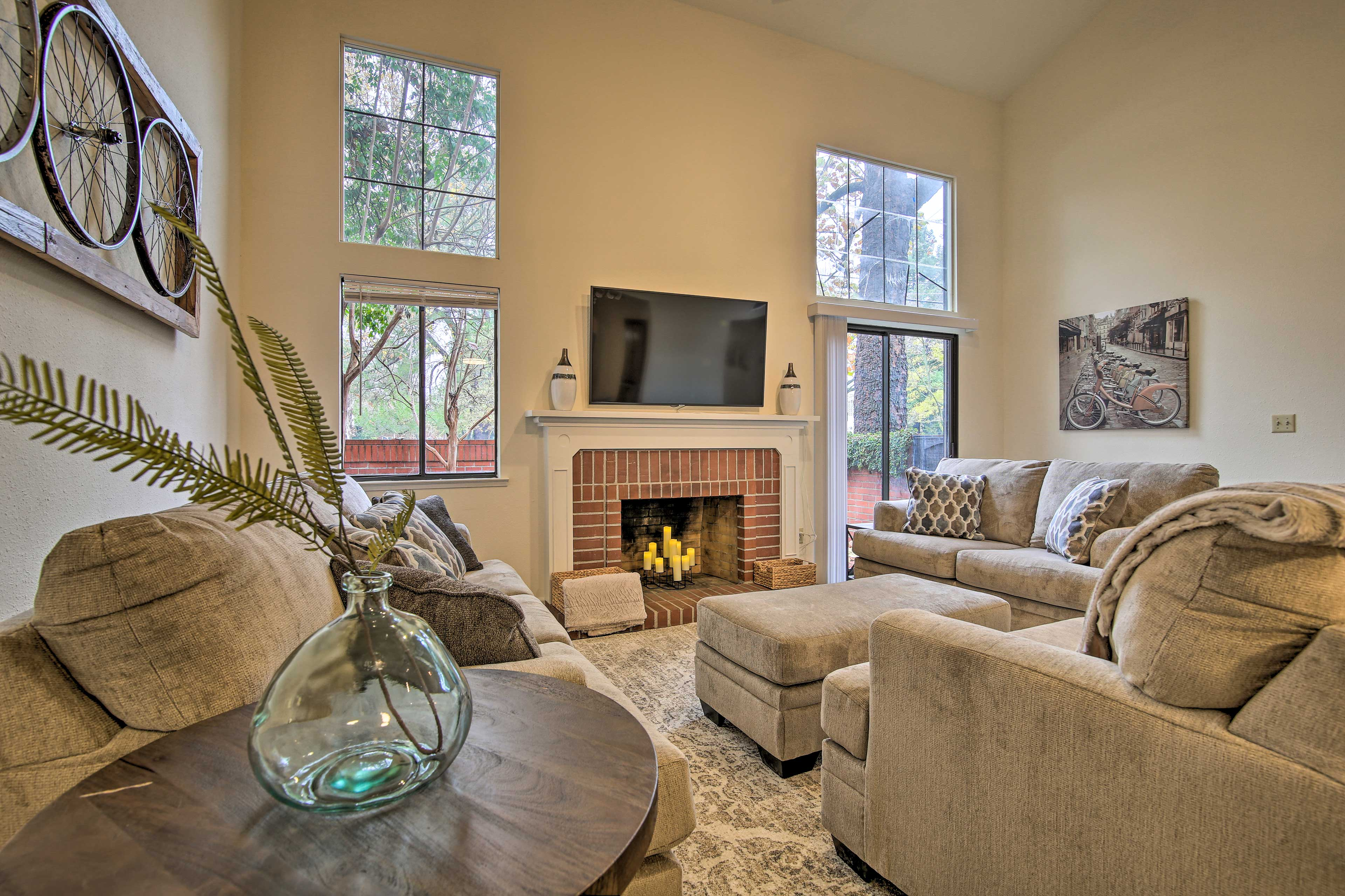 Come stay at this 3-bedroom, 2-bathroom condo in Davis!