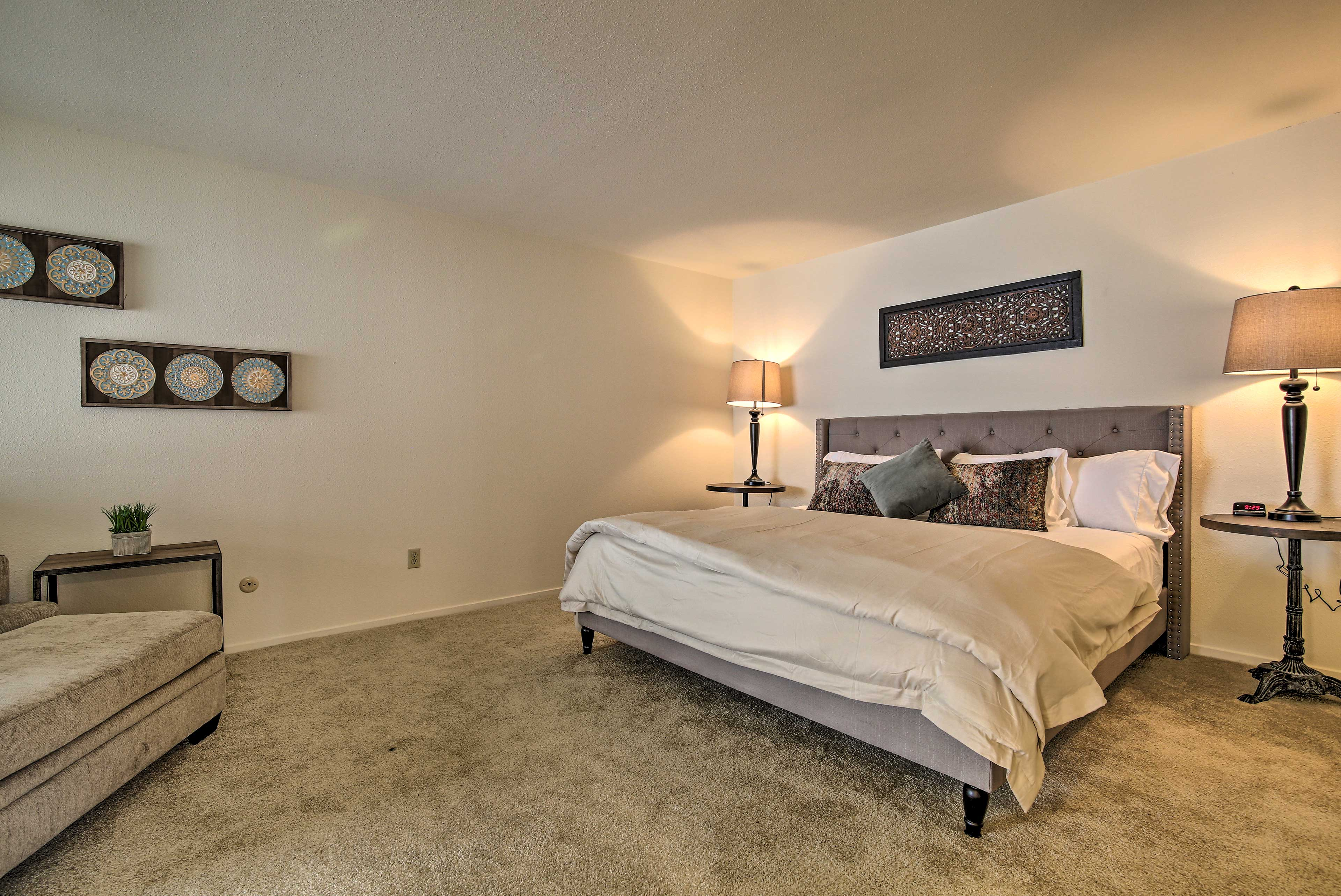 Fall aslleep quickly in the master bedroom.