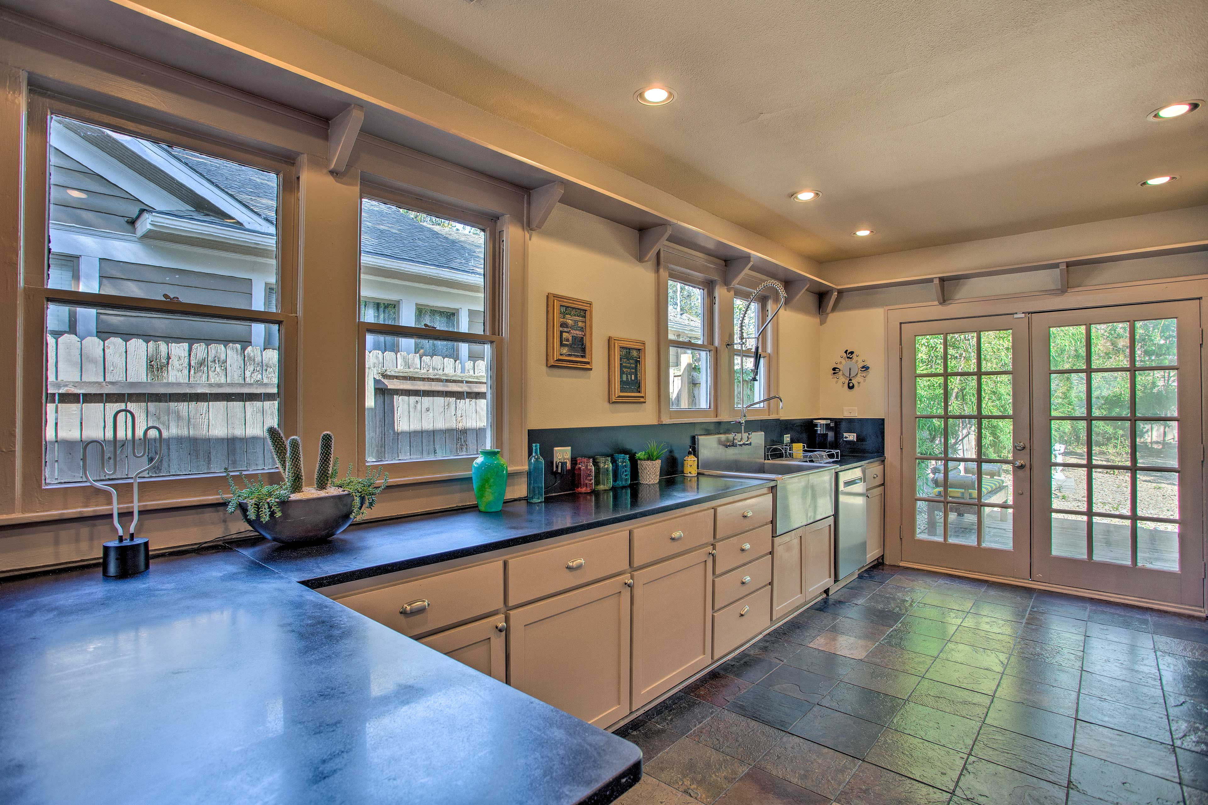 The kitchen comes with commercial-grade appliances.