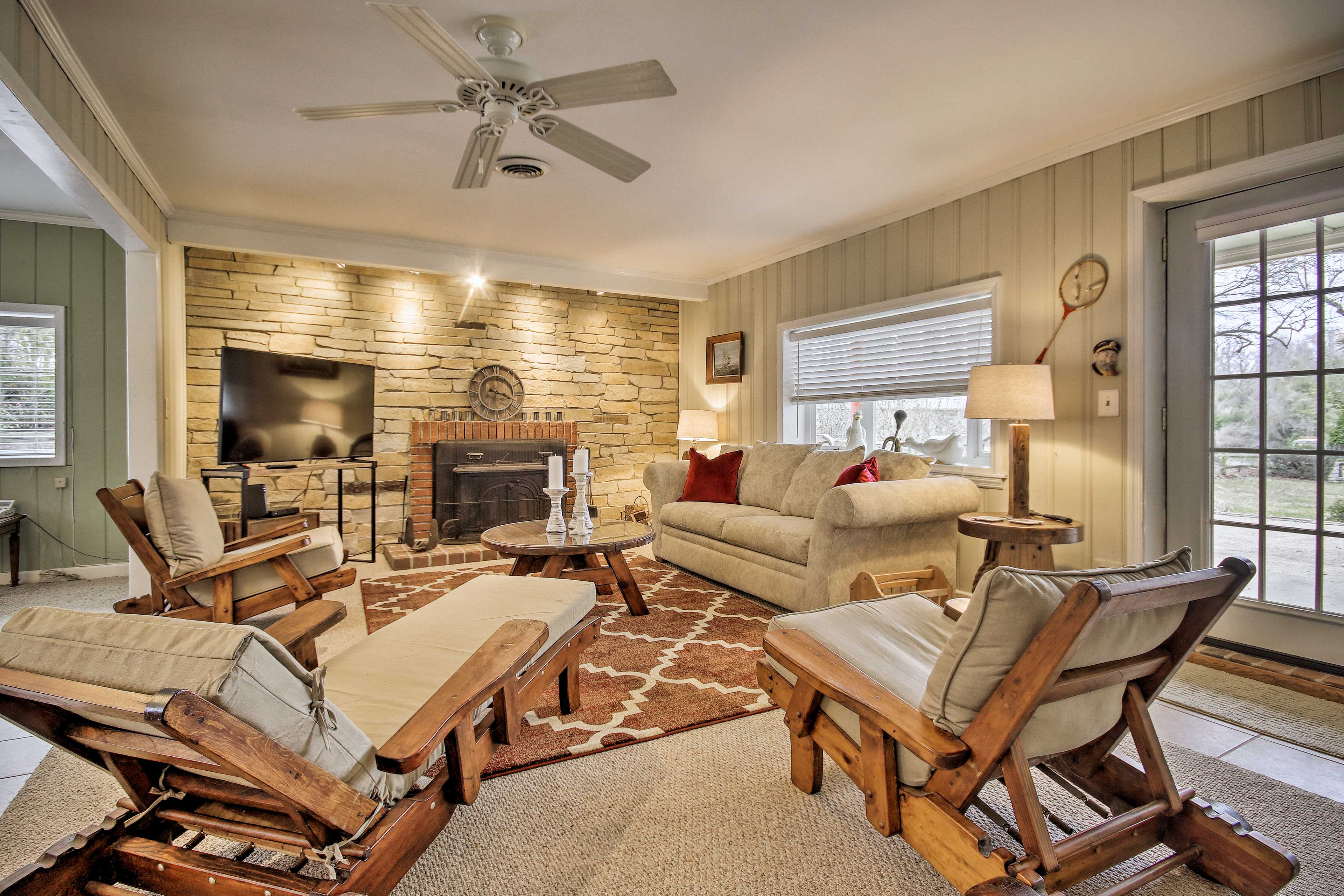 Make yourself at home in this 3-bedroom, 1-bathroom Annapolis home.
