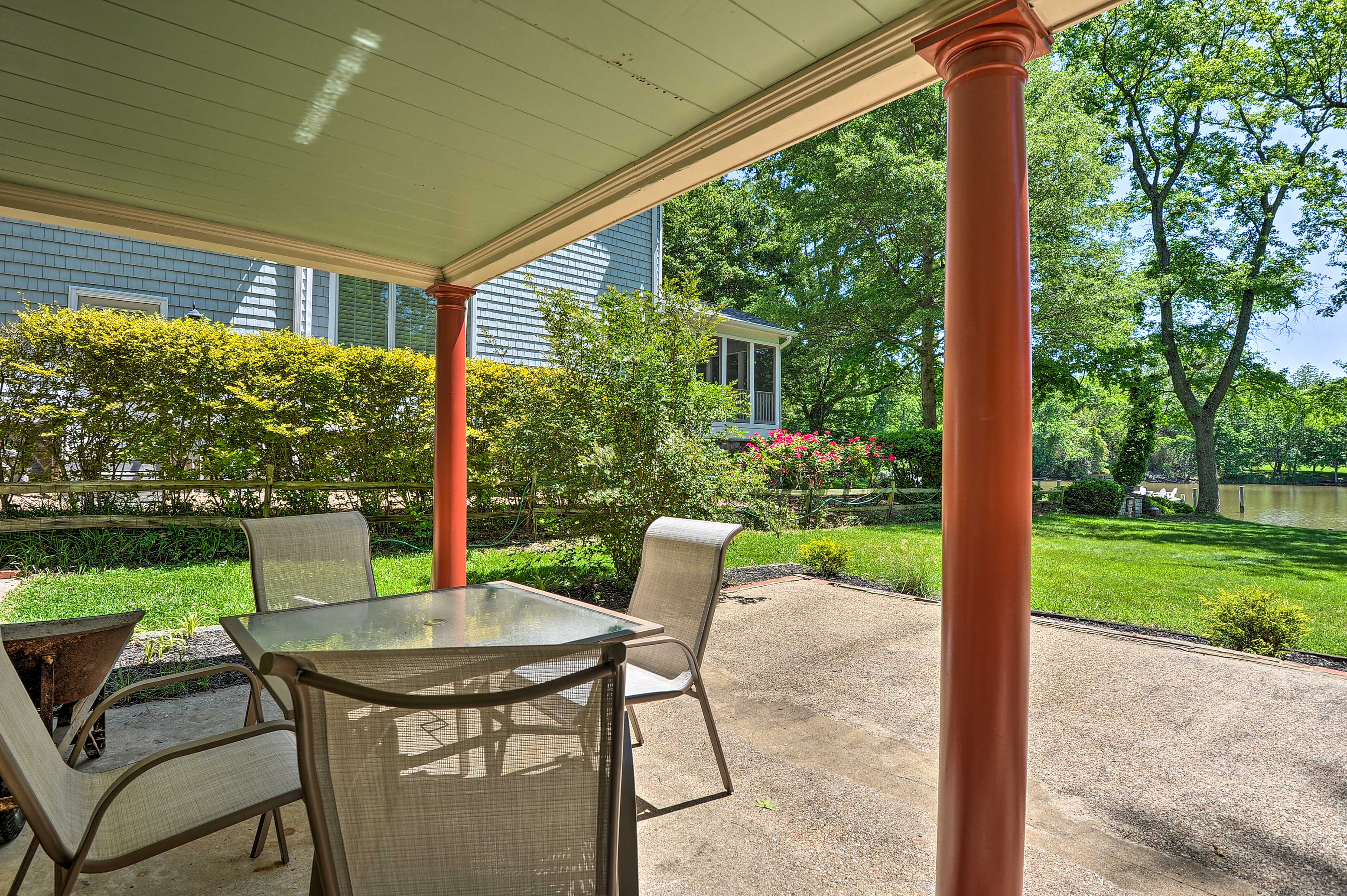 Dine together on the shady patio.