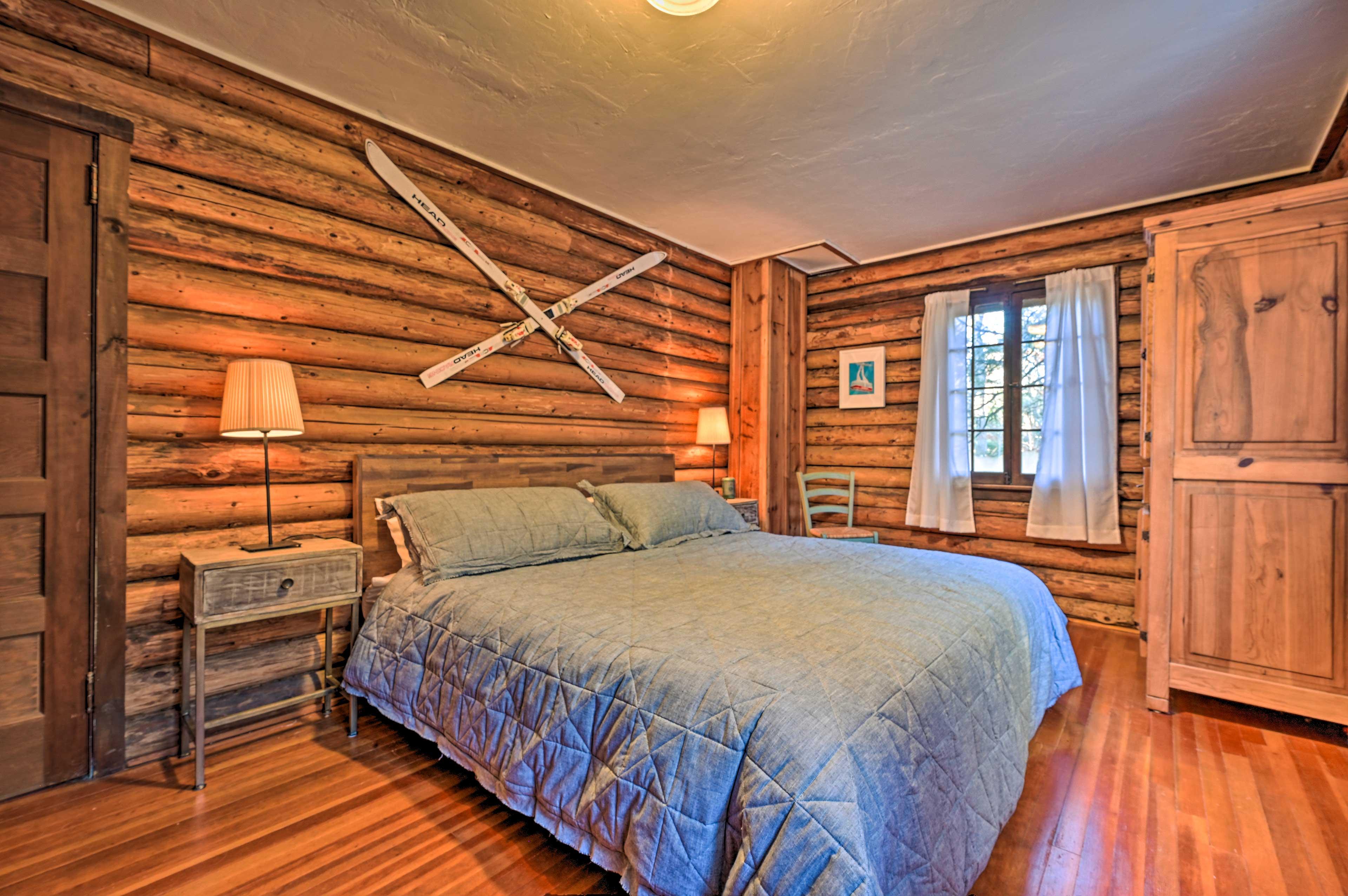 Enjoy a sunlight-filled bedroom each morning in the lower master bedroom!