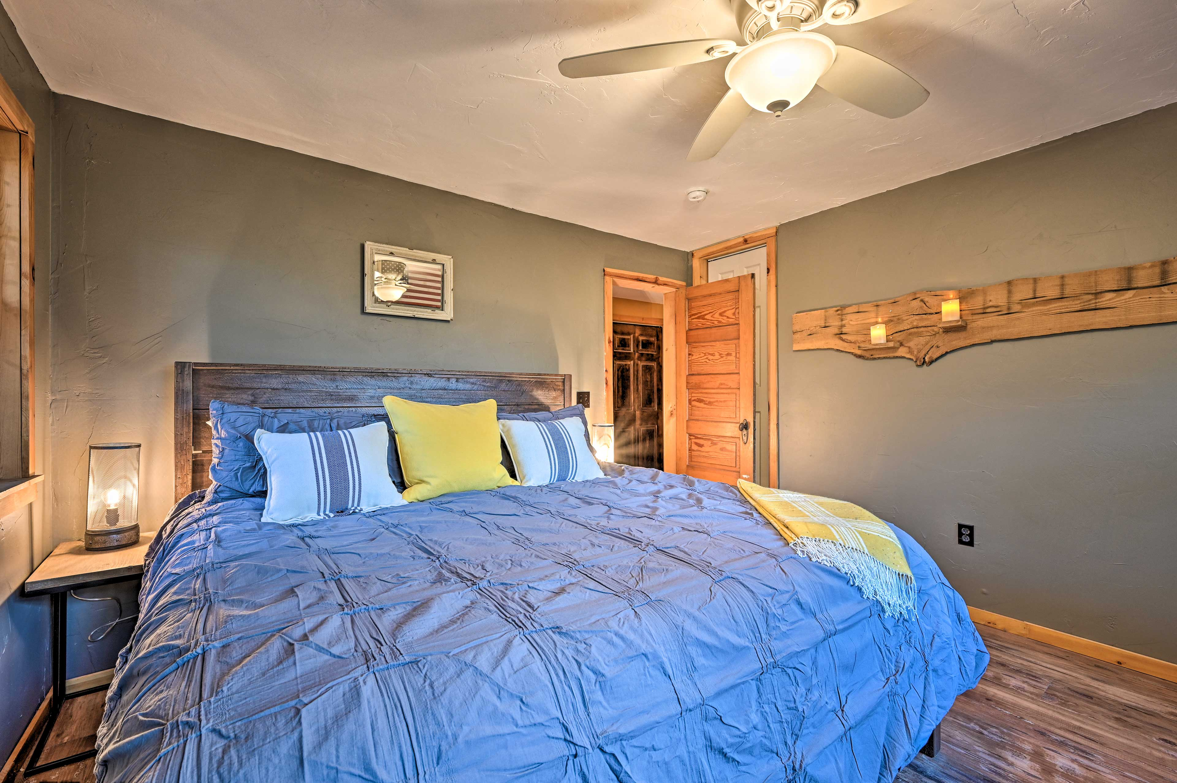 Sleep soundly in this well-outfitted king-sized bed.