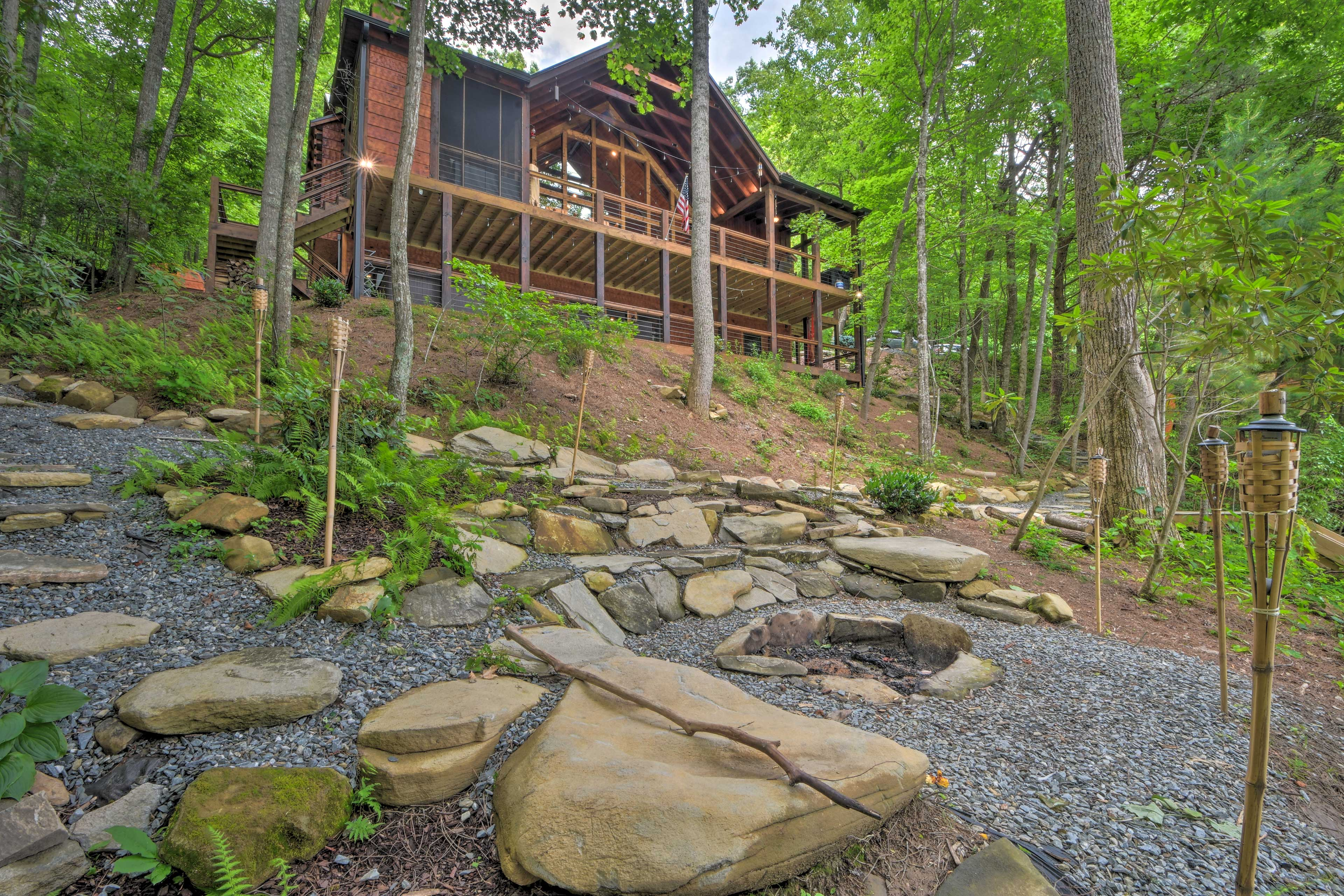 Perfect for a lake getaway, this Topton vacation rental has room for 12!