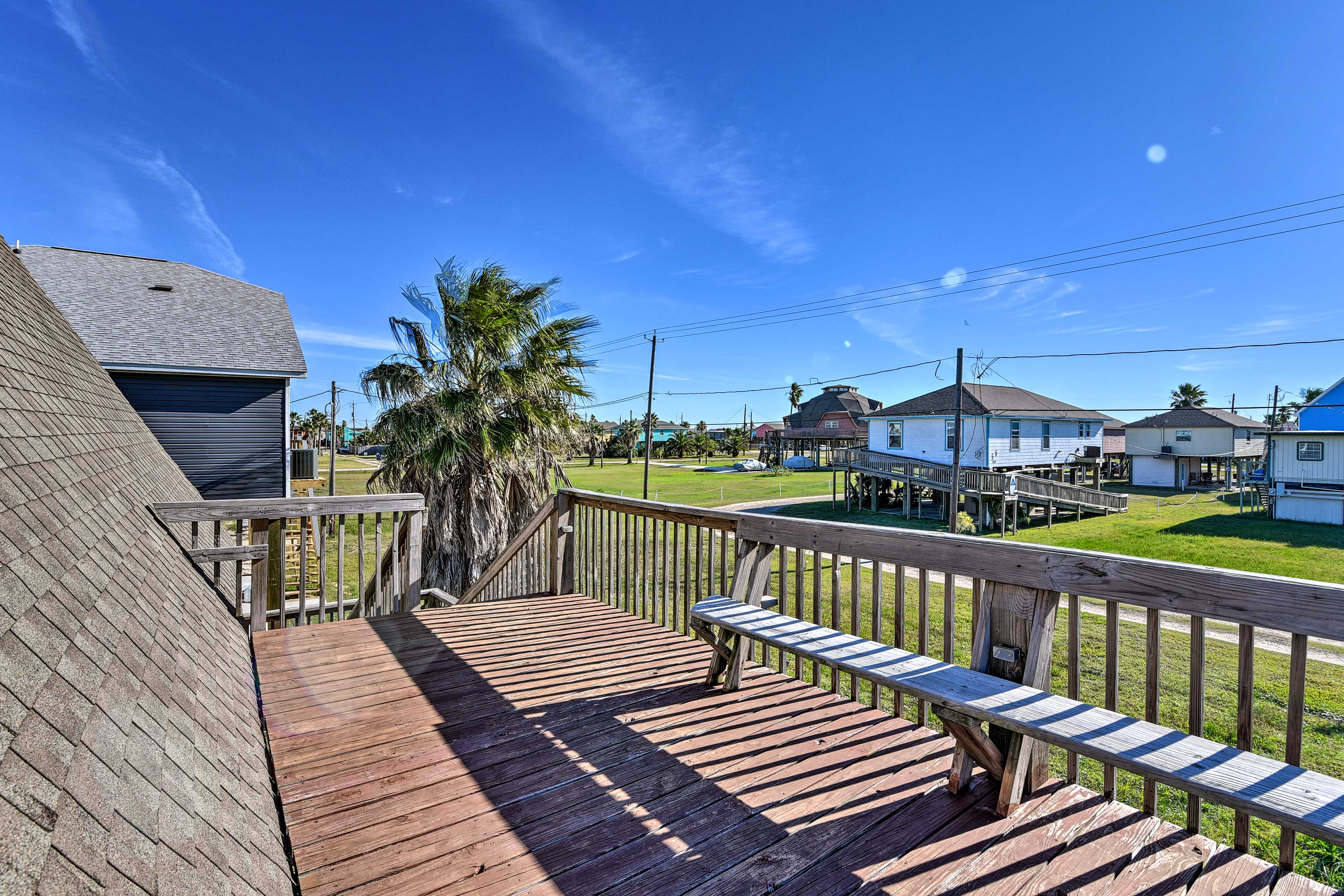 You'll love being just 2 blocks from sandy beaches!