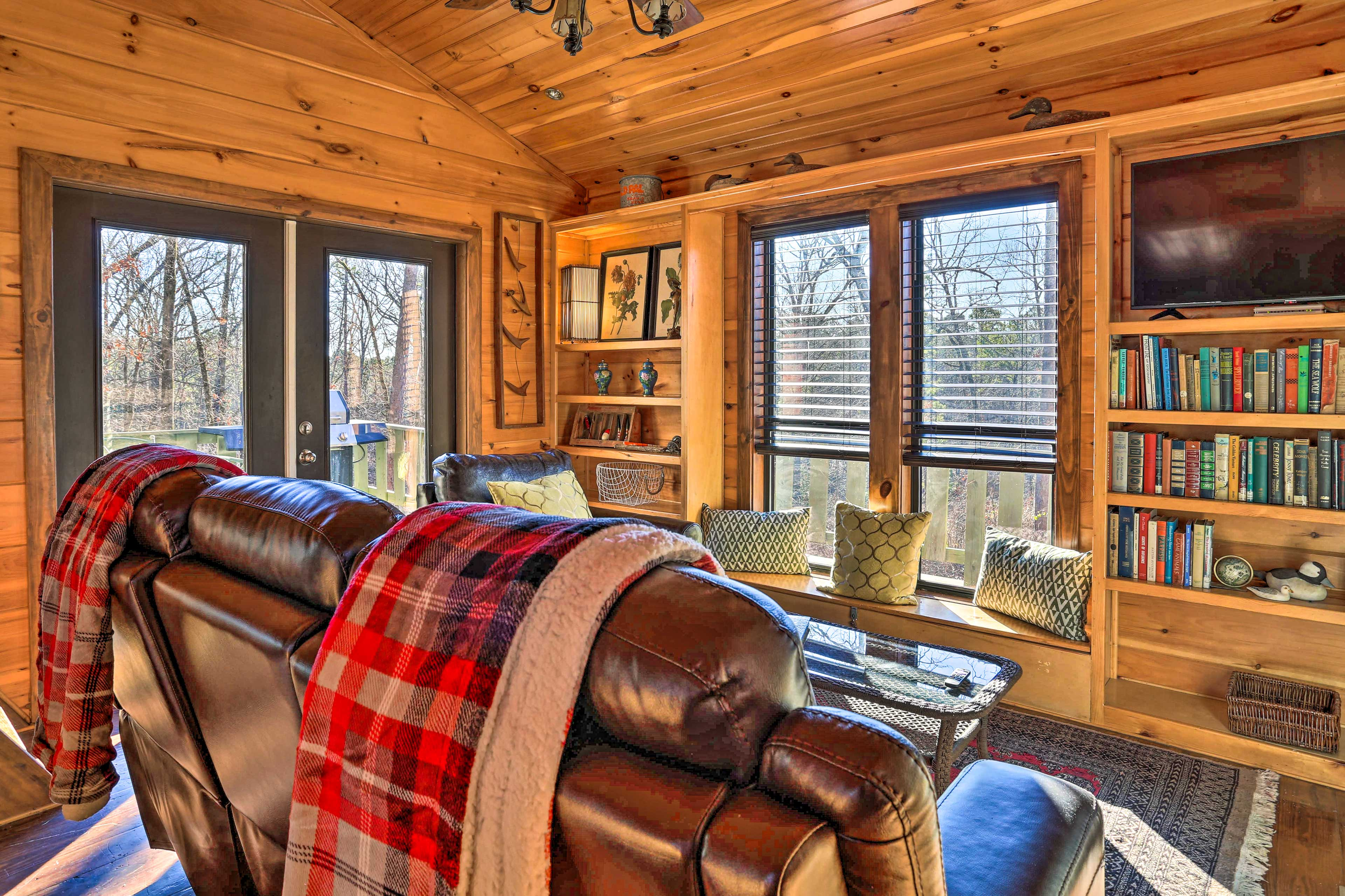Bring your favorite travel companions to this warm & inviting vacation rental.