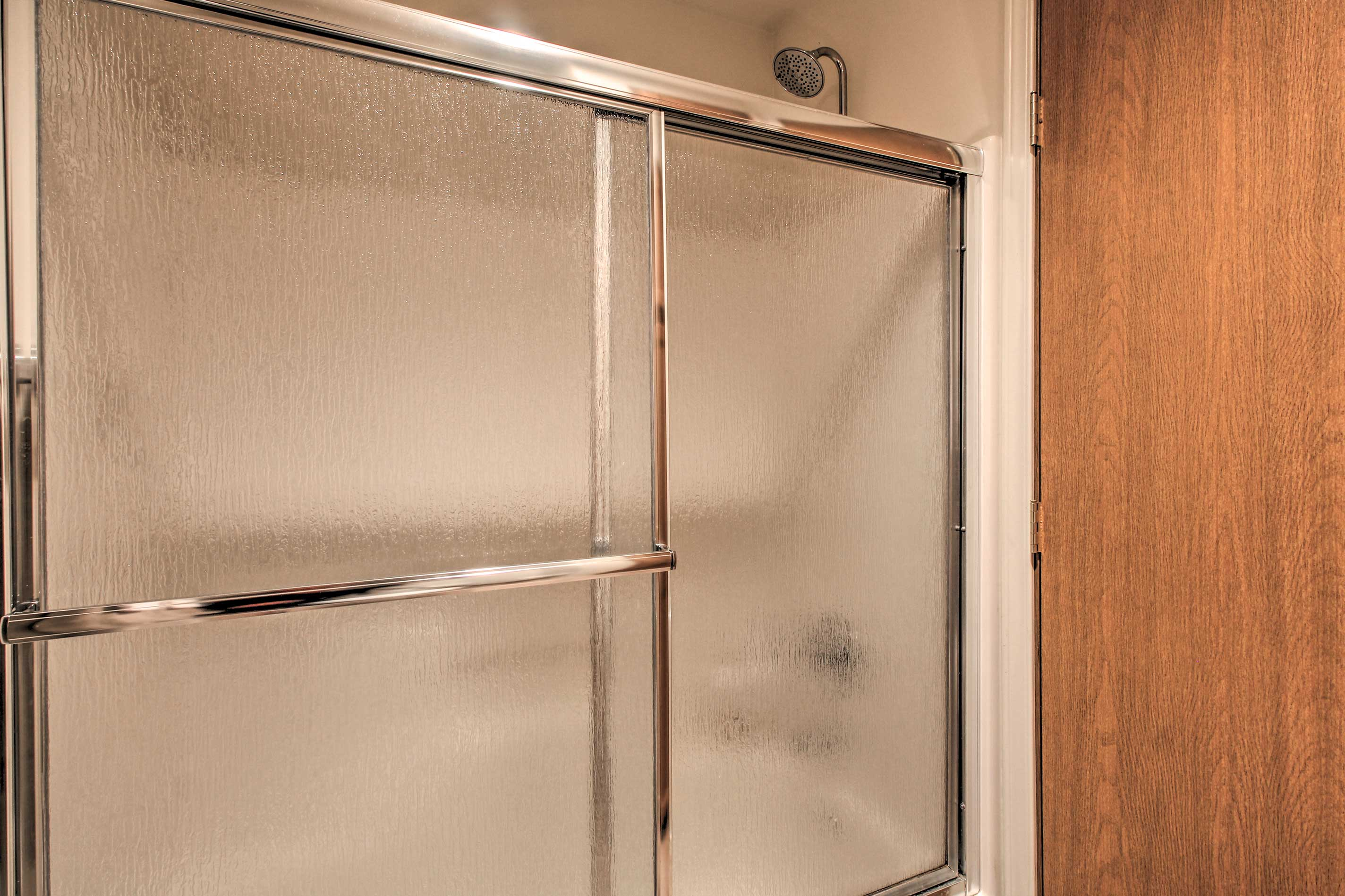 It also includes a shower/tub combo.