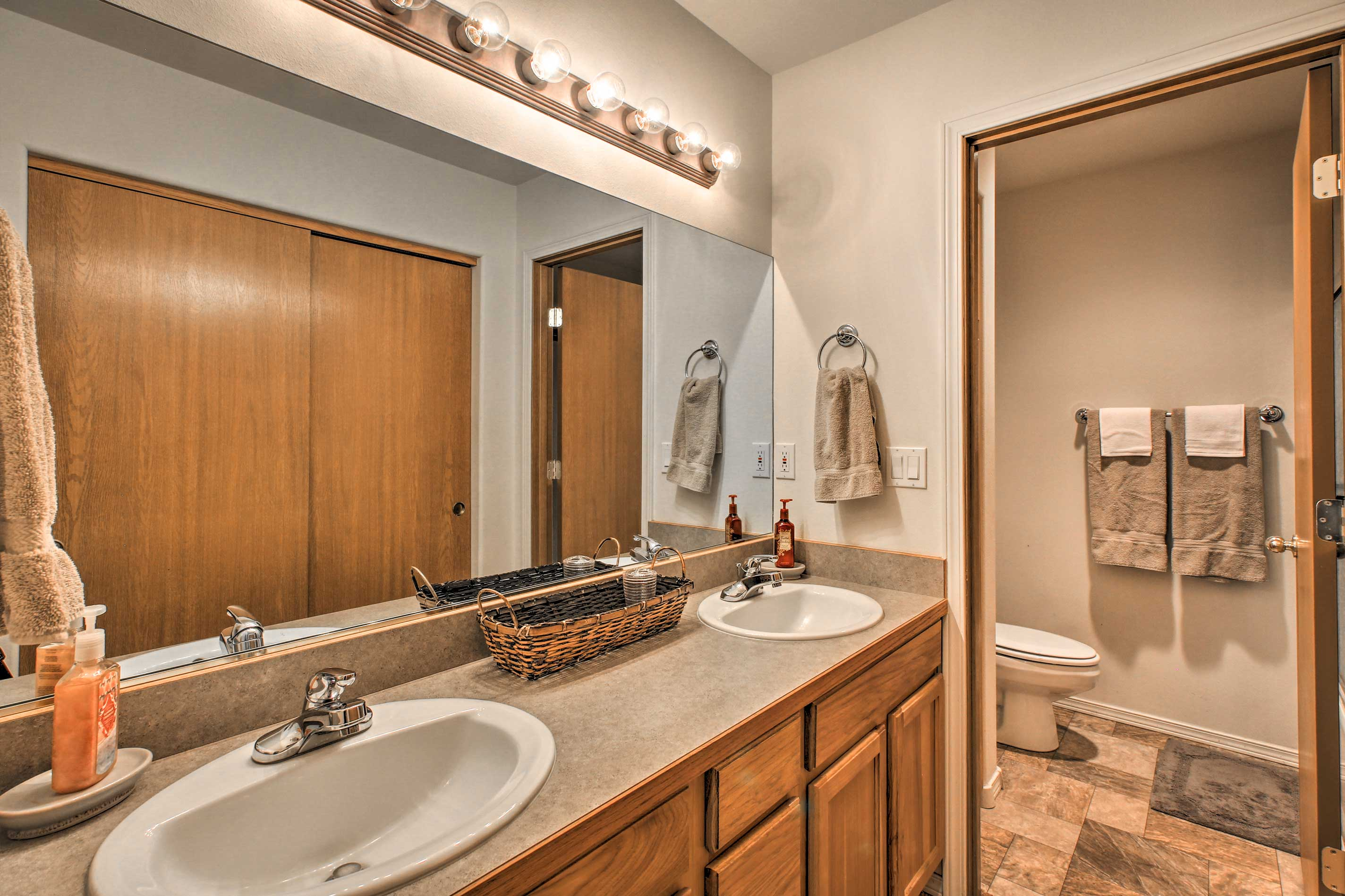 The master en-suite is complete with double sinks for your convenience.