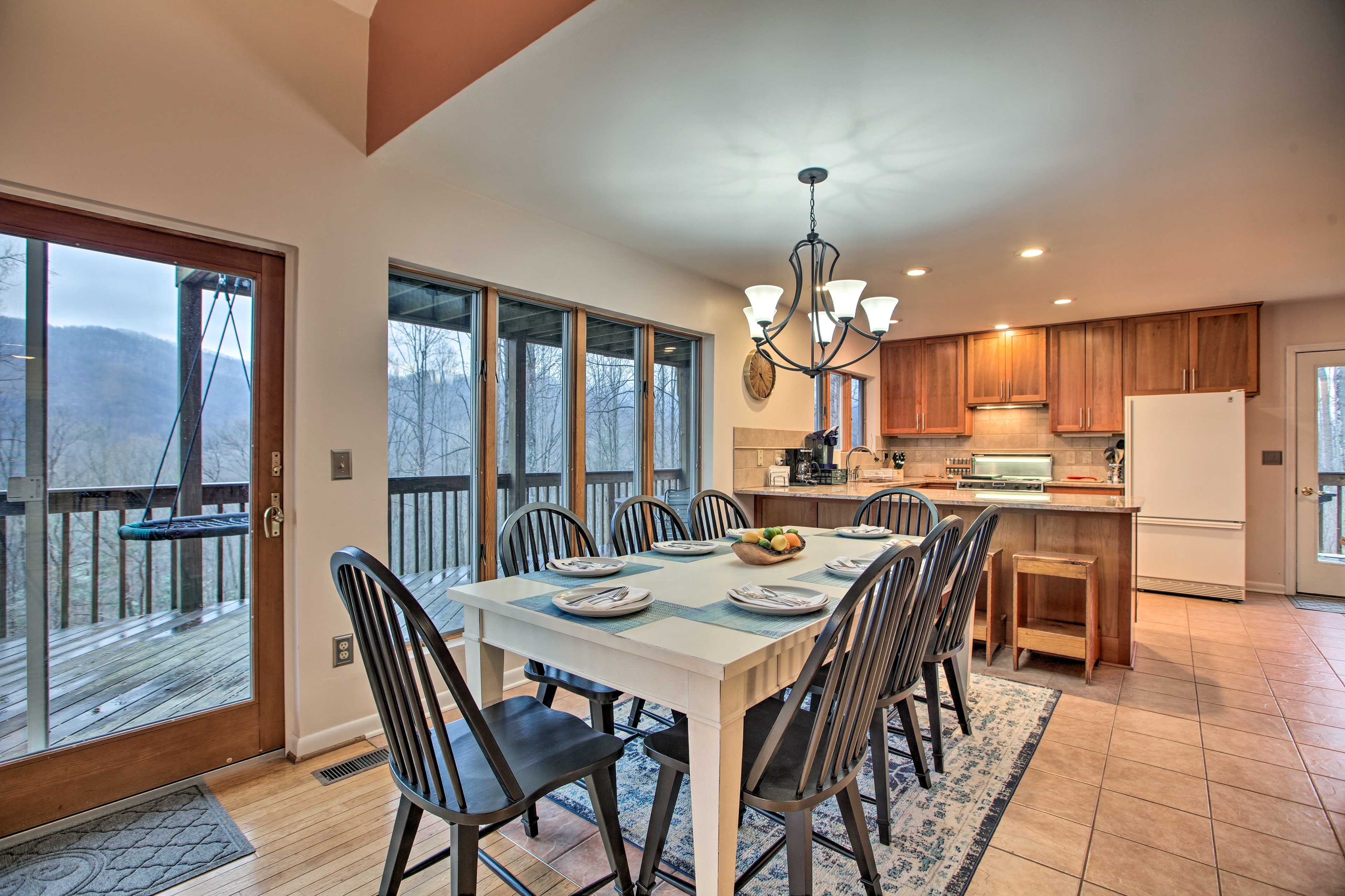 Enjoy home-cooked meals at this Roseland vacation rental.