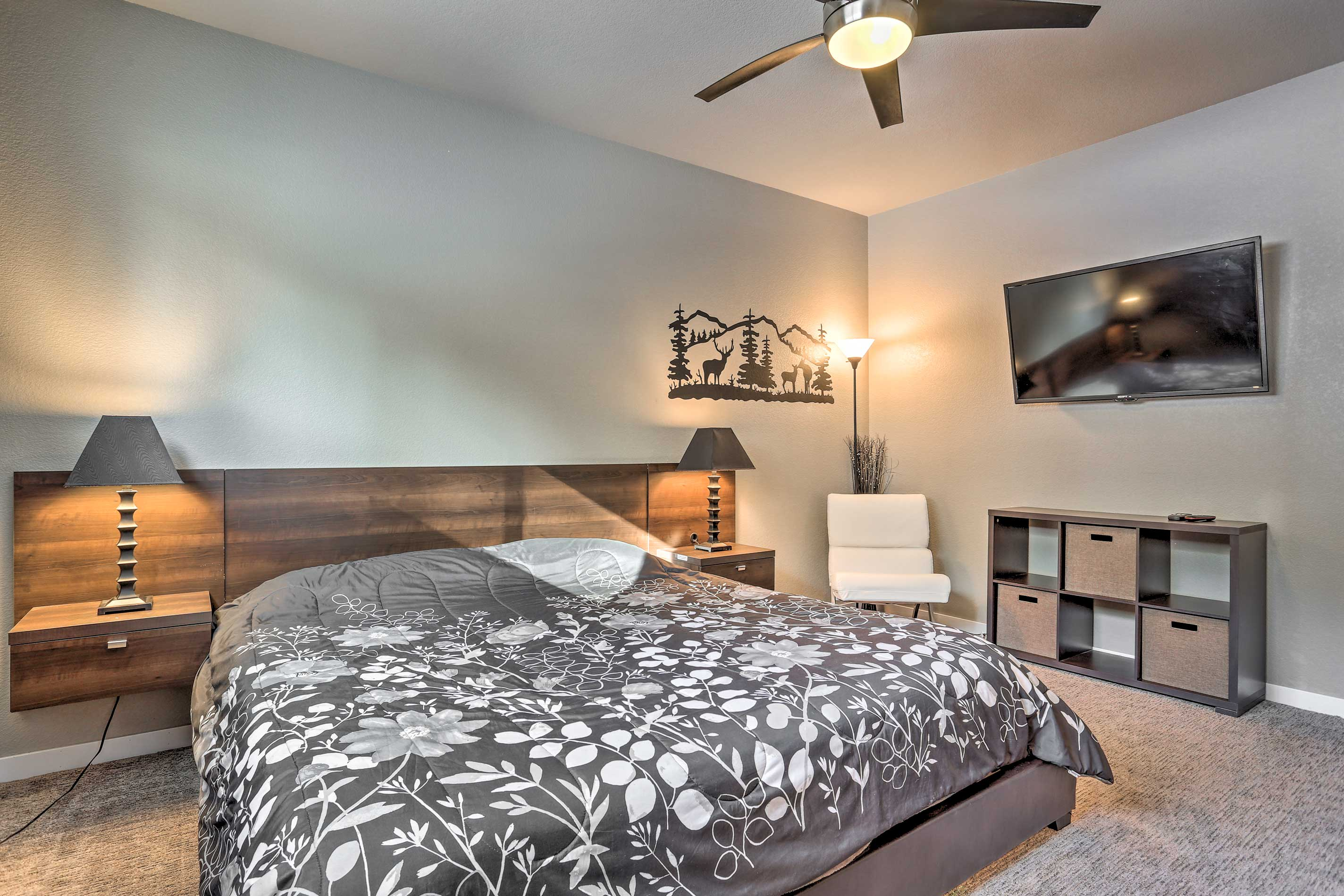You'll find another king bed in this second bedroom.