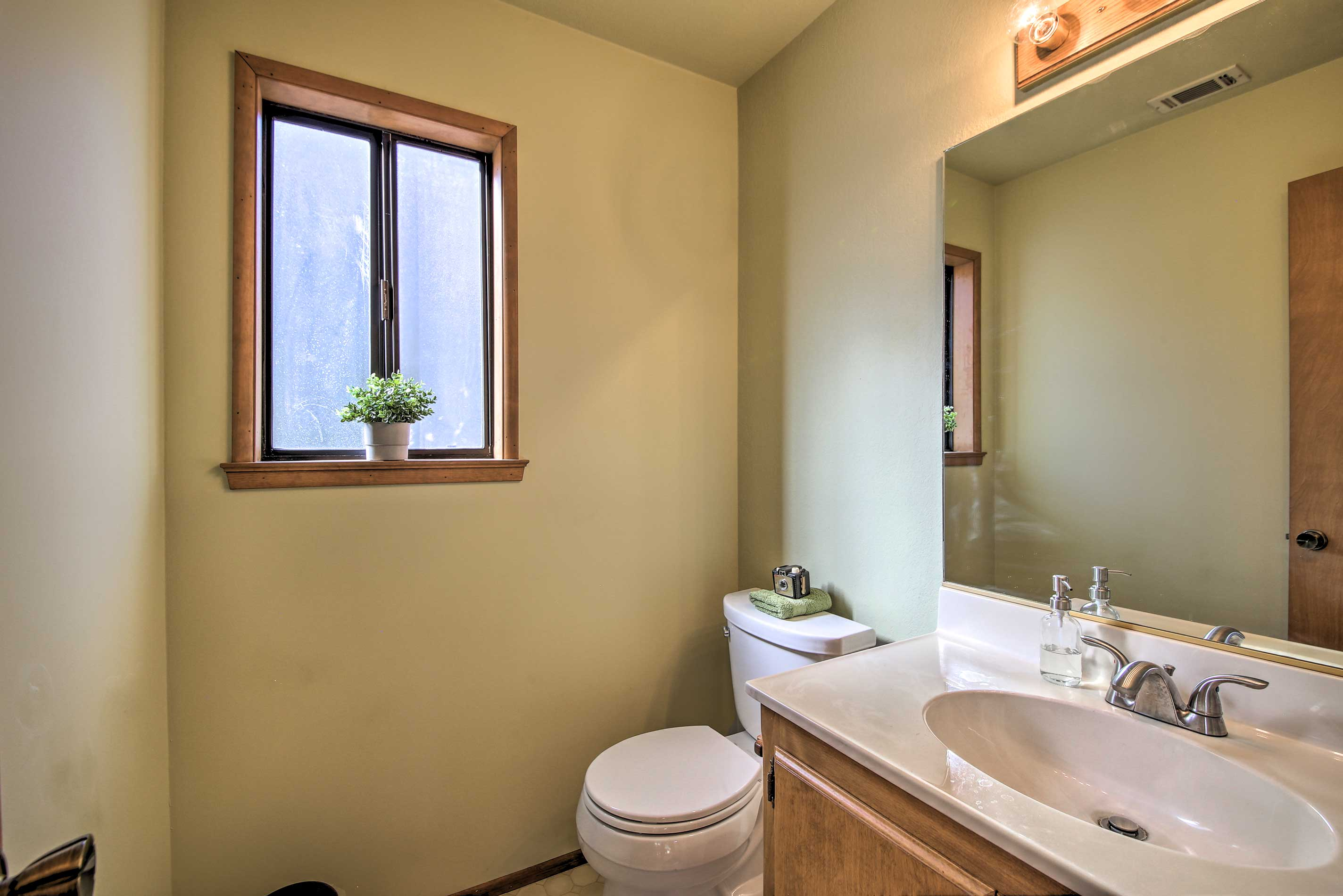 This property features a total of 2.5 bathrooms.
