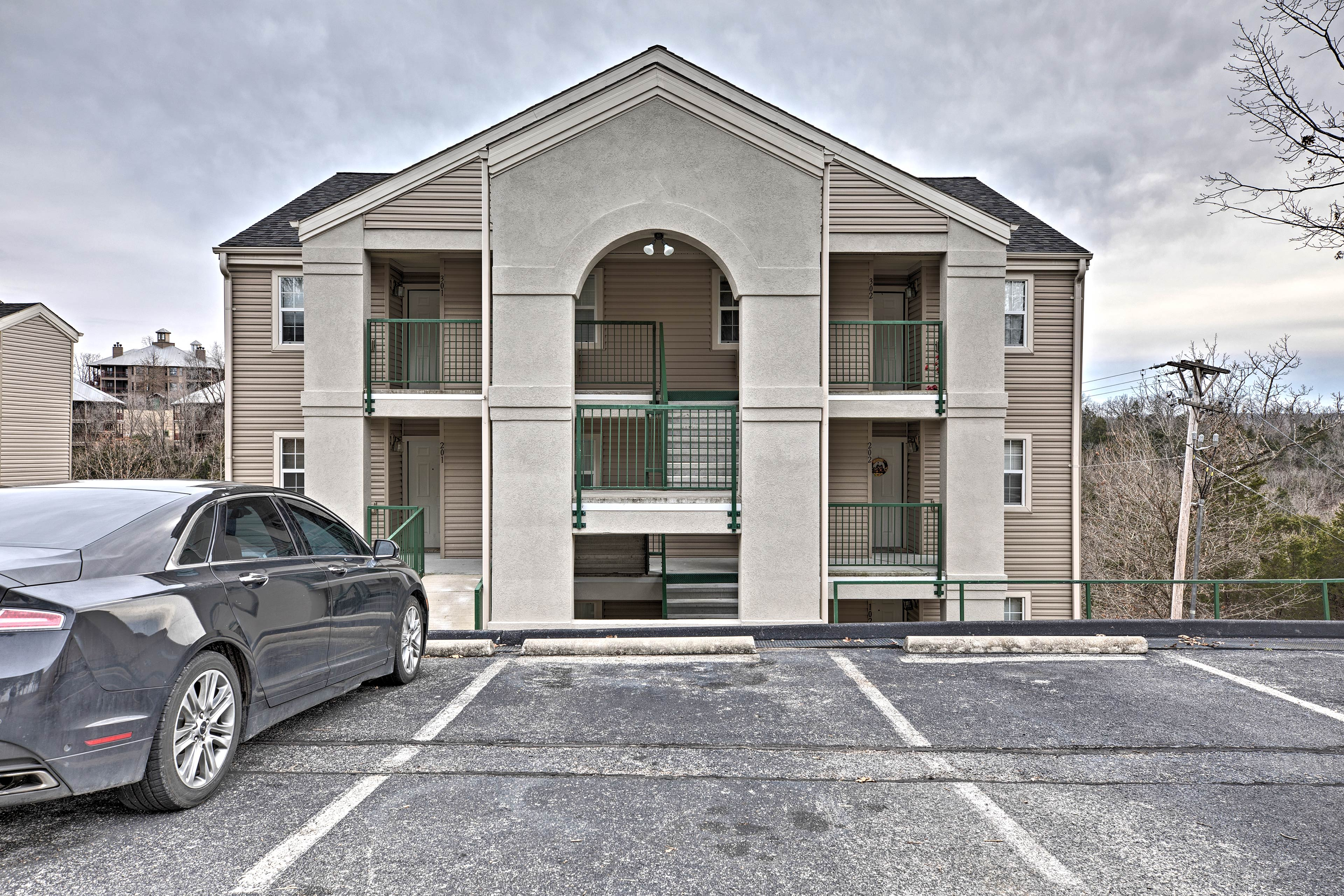 Bring a car or 2 for convenient parking outside this vacation rental's doors.