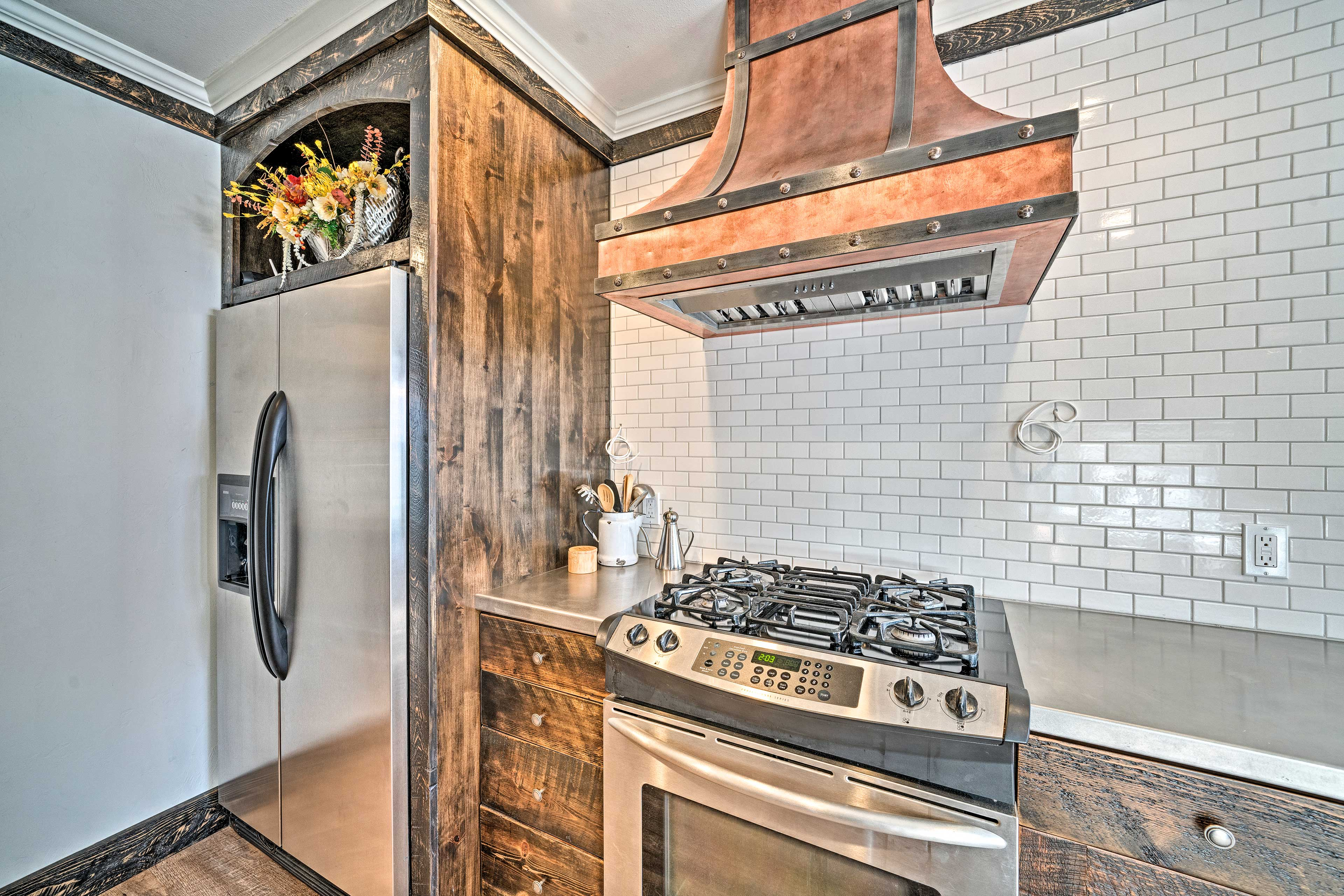 Be the chef you've wanted to be in this gourmet quality kitchen.