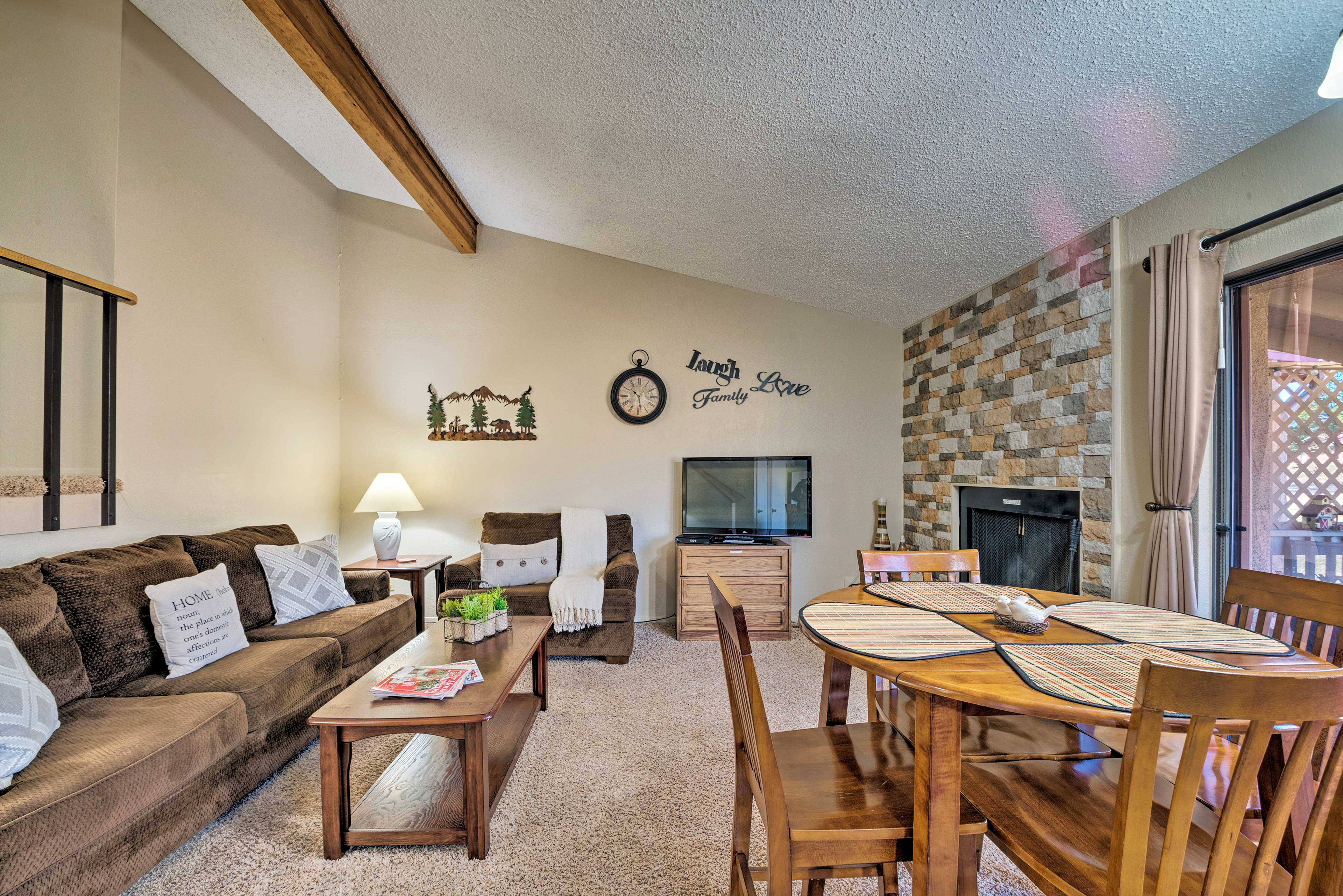 Inside, this condo boasts 2 bedrooms, 2 bathrooms, and sleeps 4 guests!