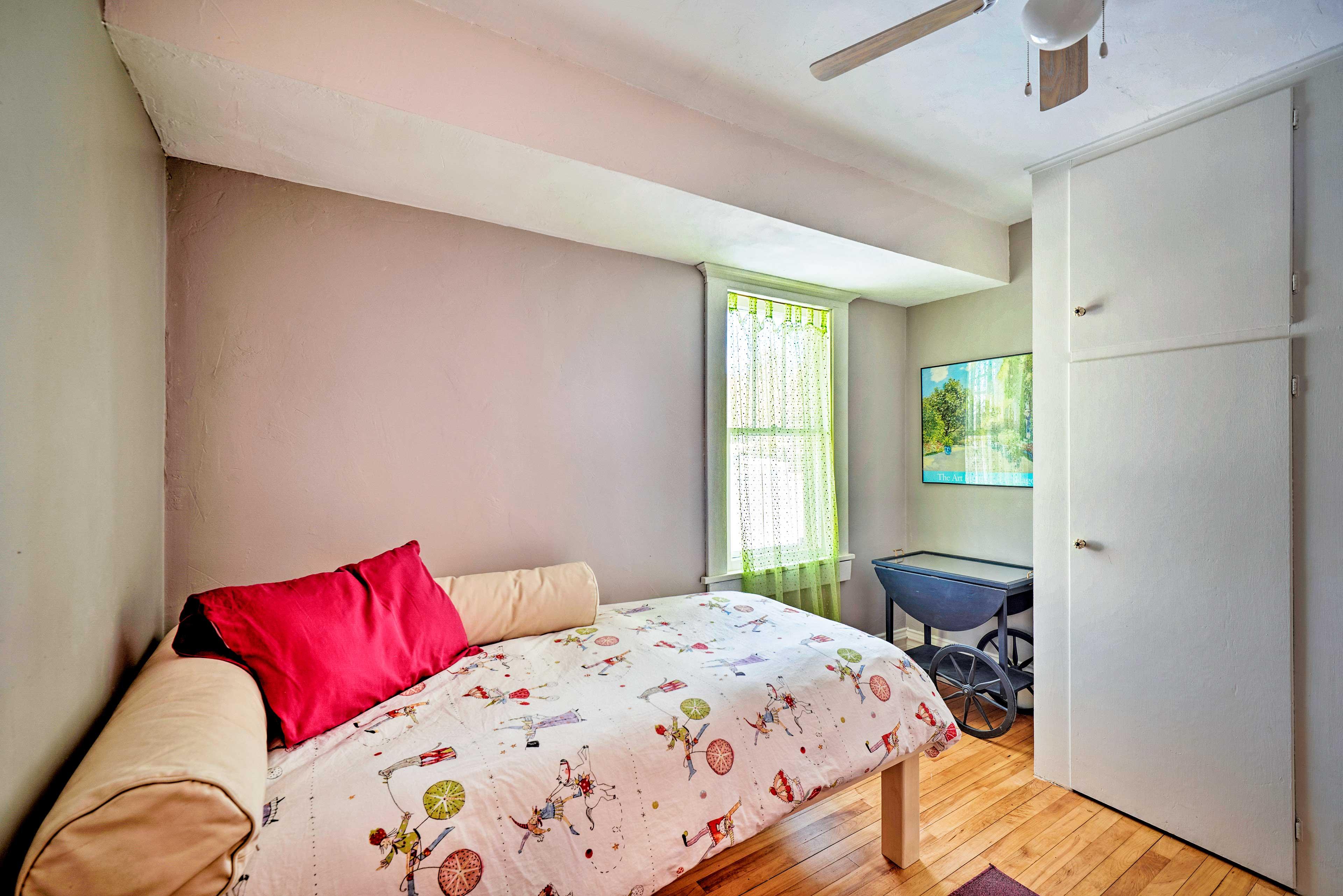 Bedroom 4   Twin Bed   1st Floor