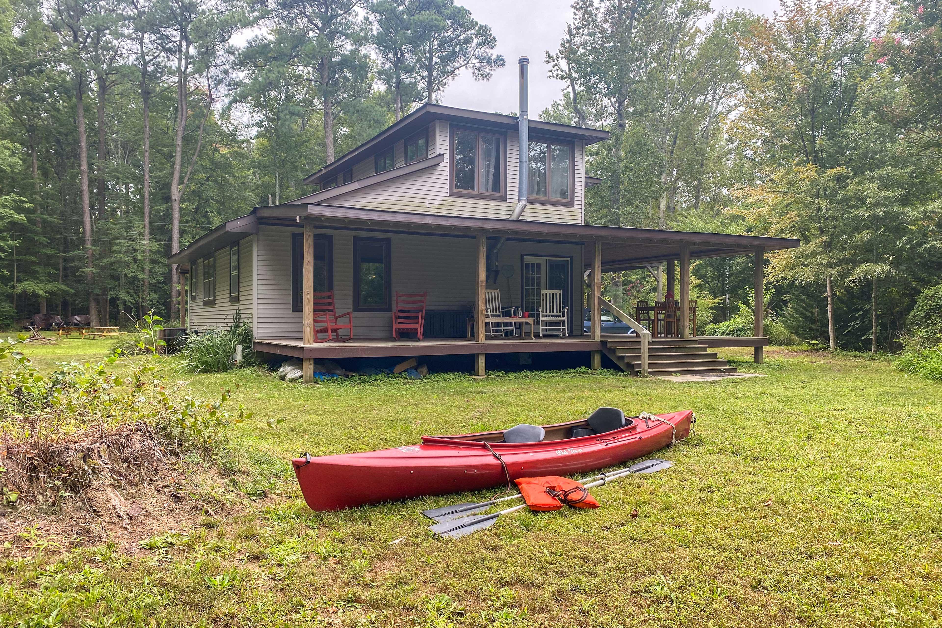 Private Yard | Kayak, Paddles & Lifejackets Provided