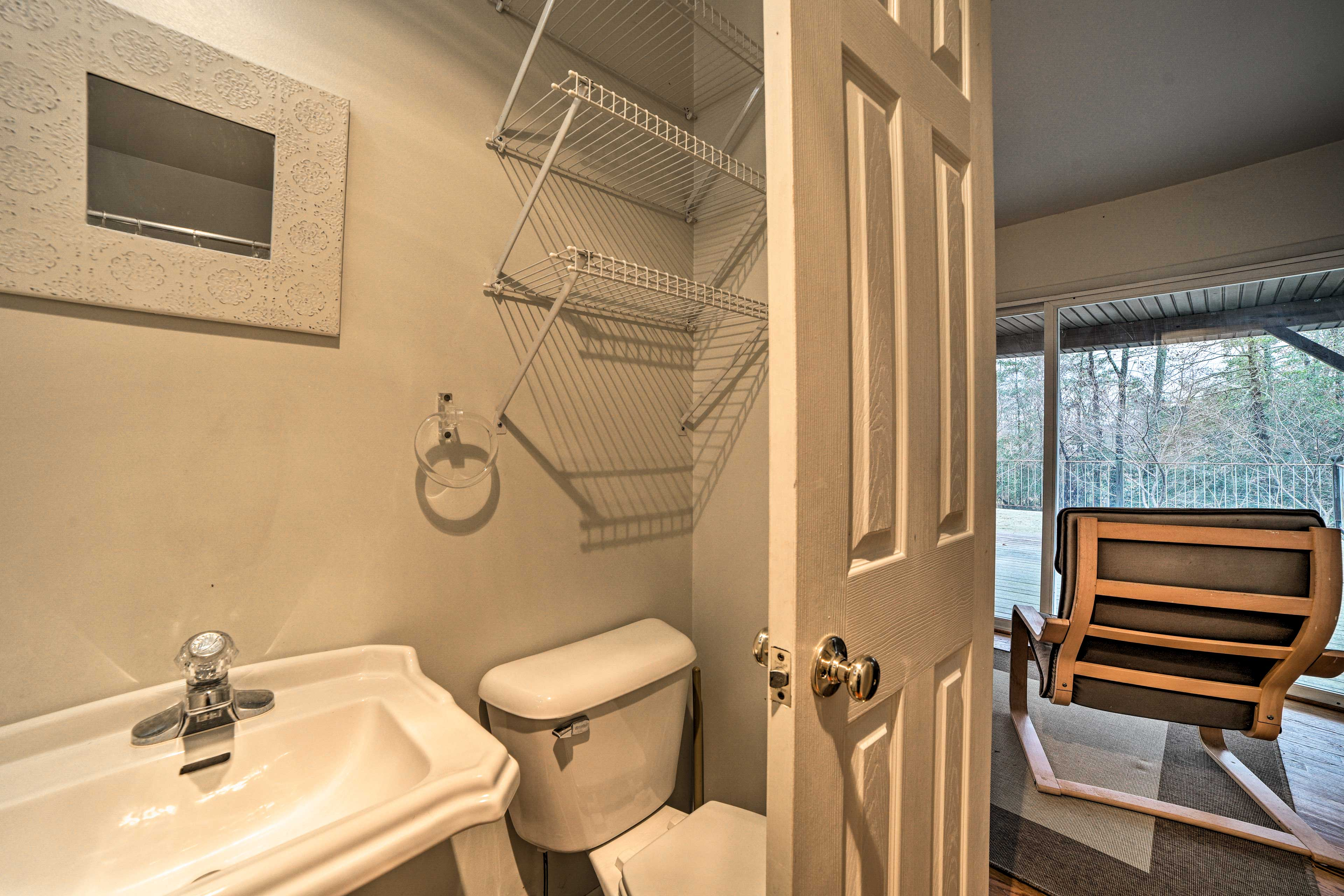 Loft | Full Bathroom