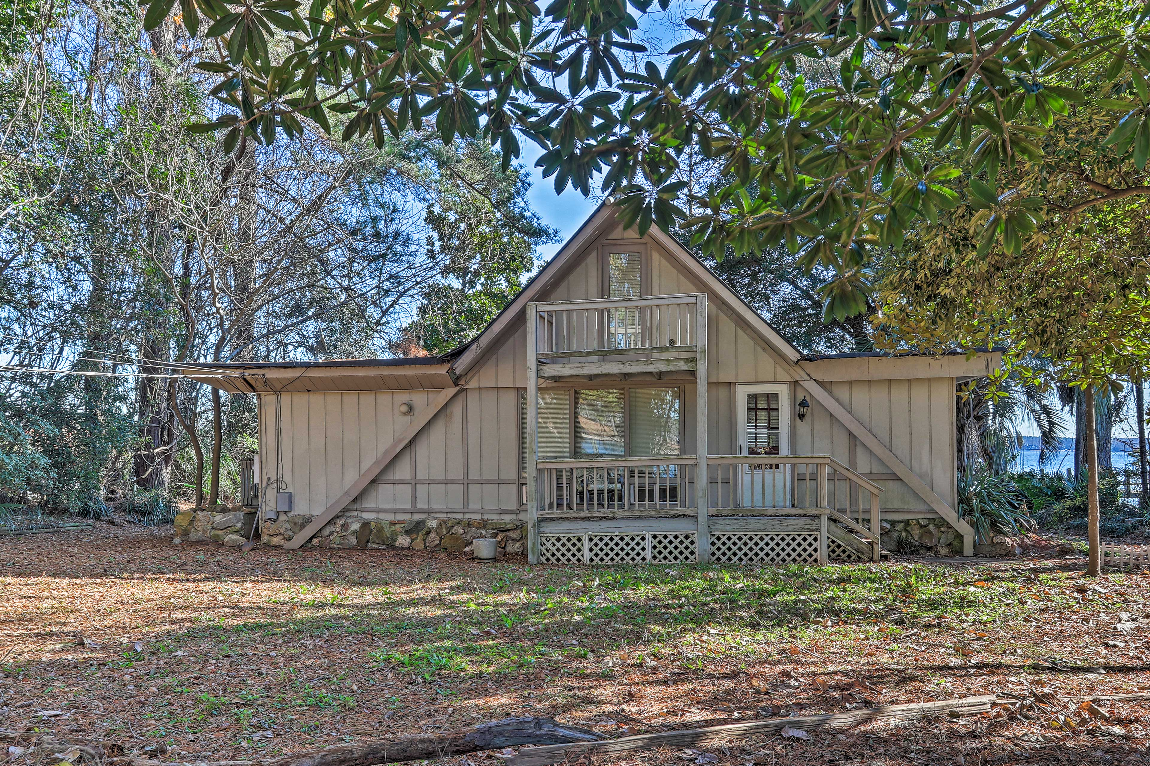 This Irmo 3-bedroom, 2-bath vacation rental welcomes you and your loved ones!