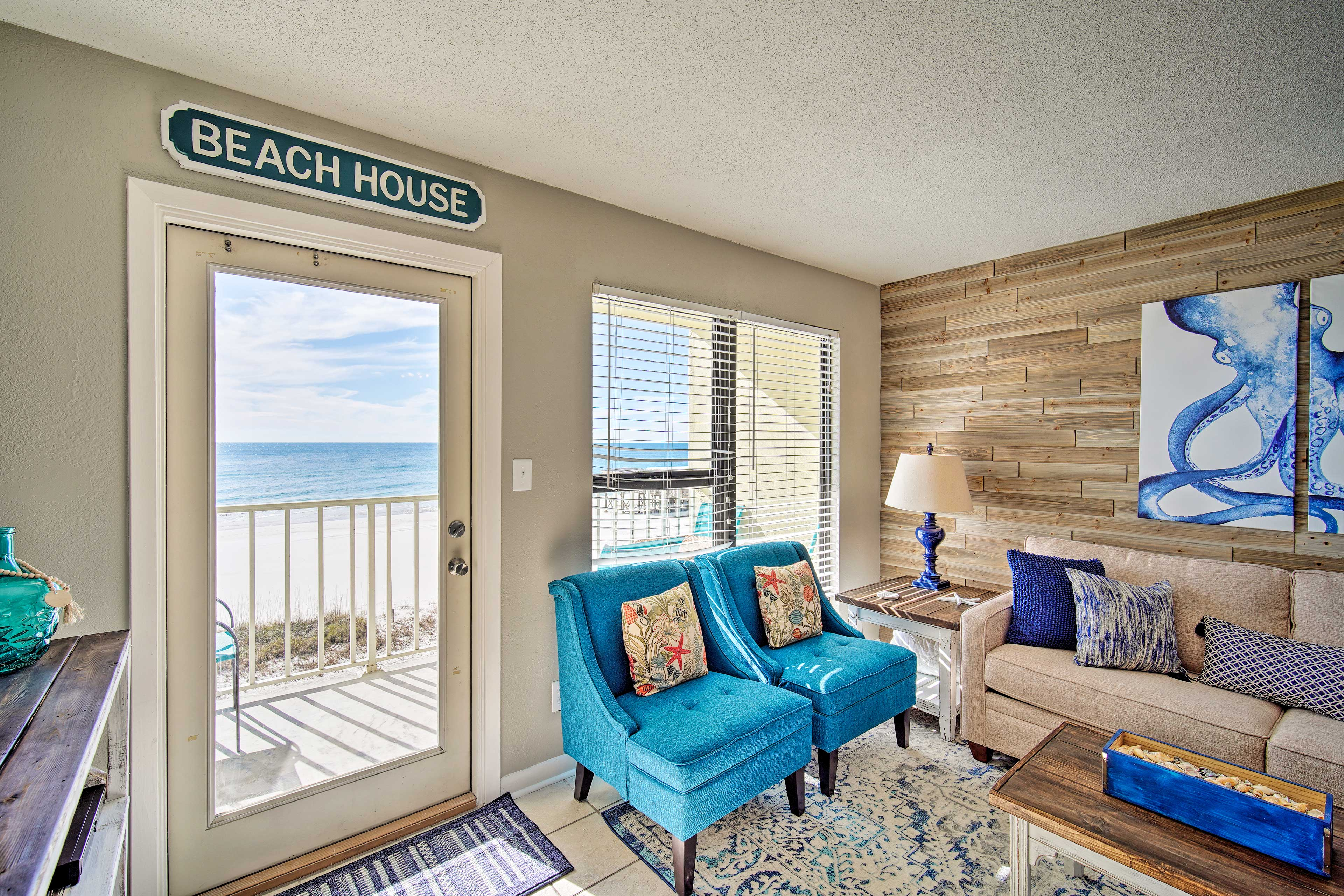 Make this sweet condo your family's 'Beach House' in Gulf Shores!