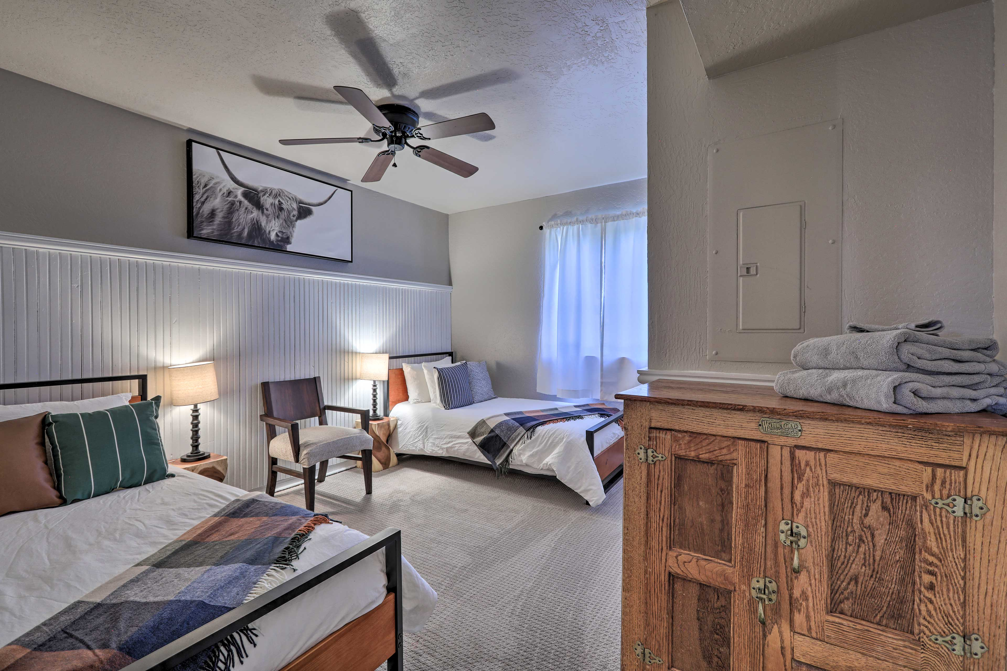 Kids love the fourth bedroom with 2 twin-sized beds.